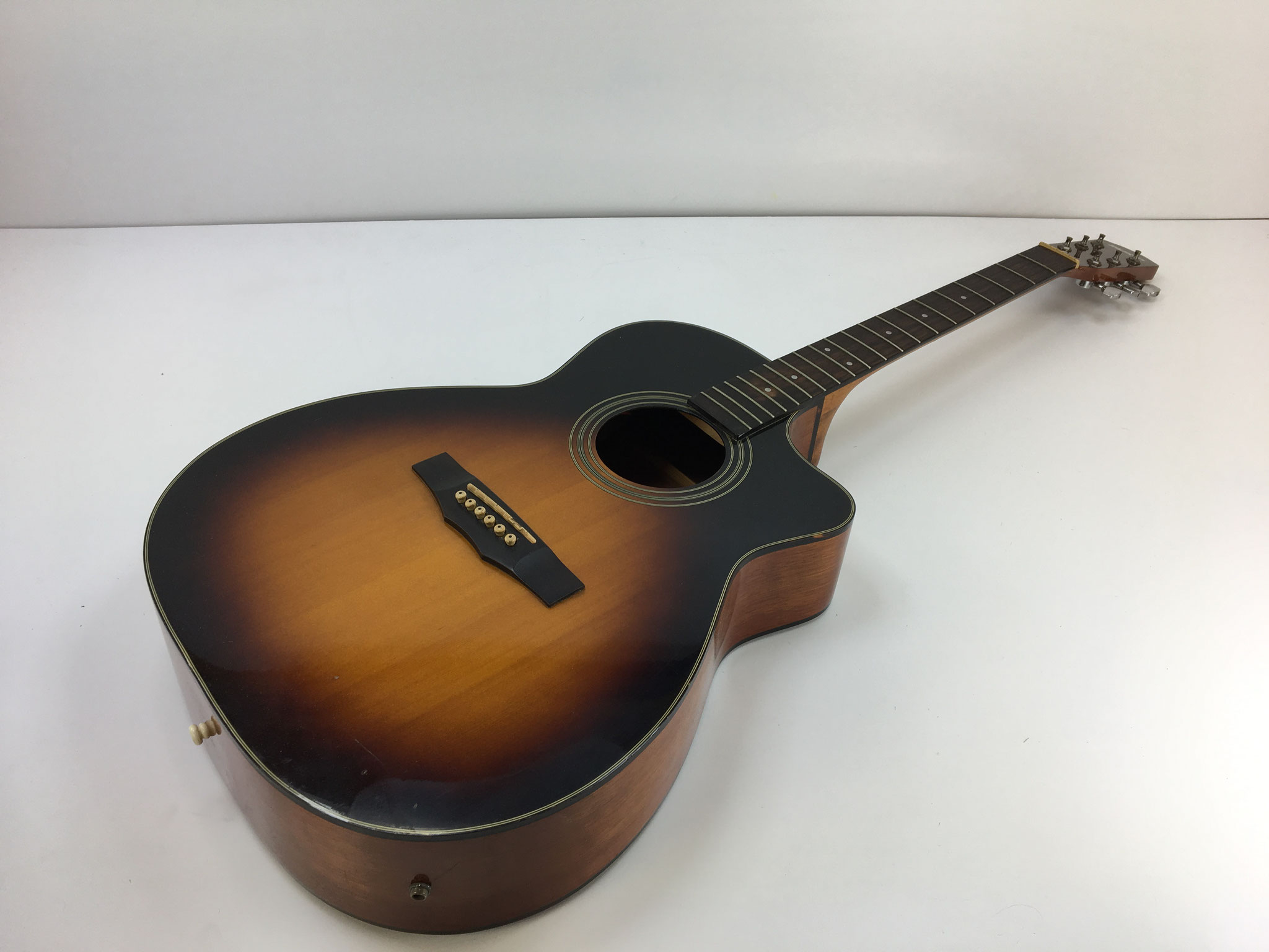 札幌ギター買取♪モーリス探してます♪