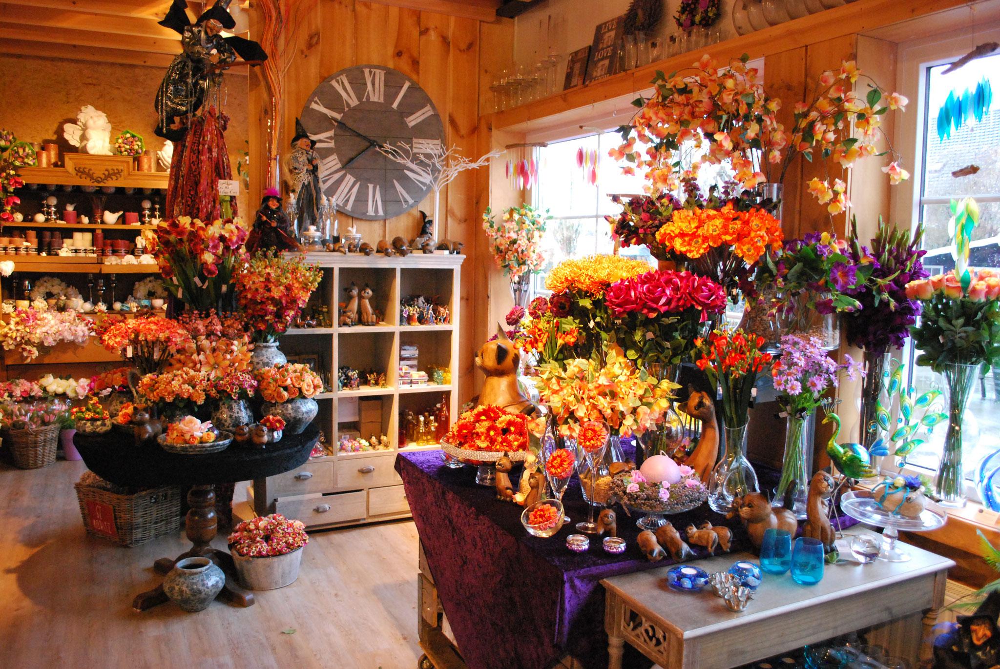Een collectie zijdebloemen