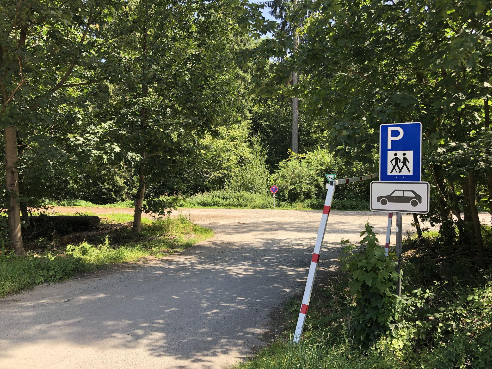 Bitte auch den Wanderparkplatz benutzen (5 Gehminuten Richtung Odenthal)