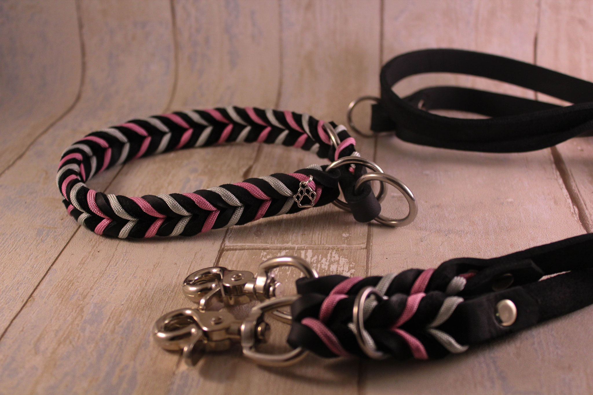 Schwarz/Lavendel Rosa + Silber