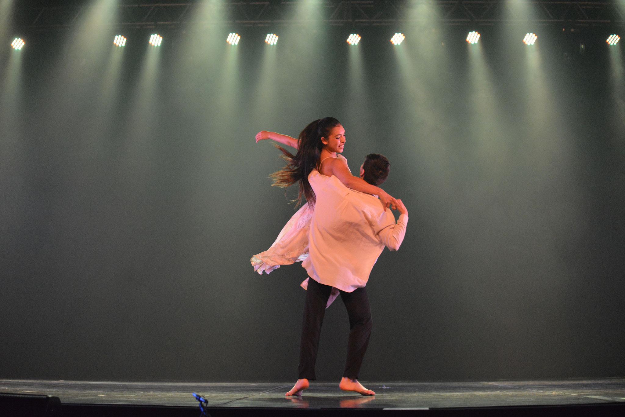 Mo-Mo Brasil 2018 2° Lugar Jazz Senior / Intérpretes Anais Chandía(20); Pablo Vasquez(20) / Obra Rondo Ana Luisa Baquedano