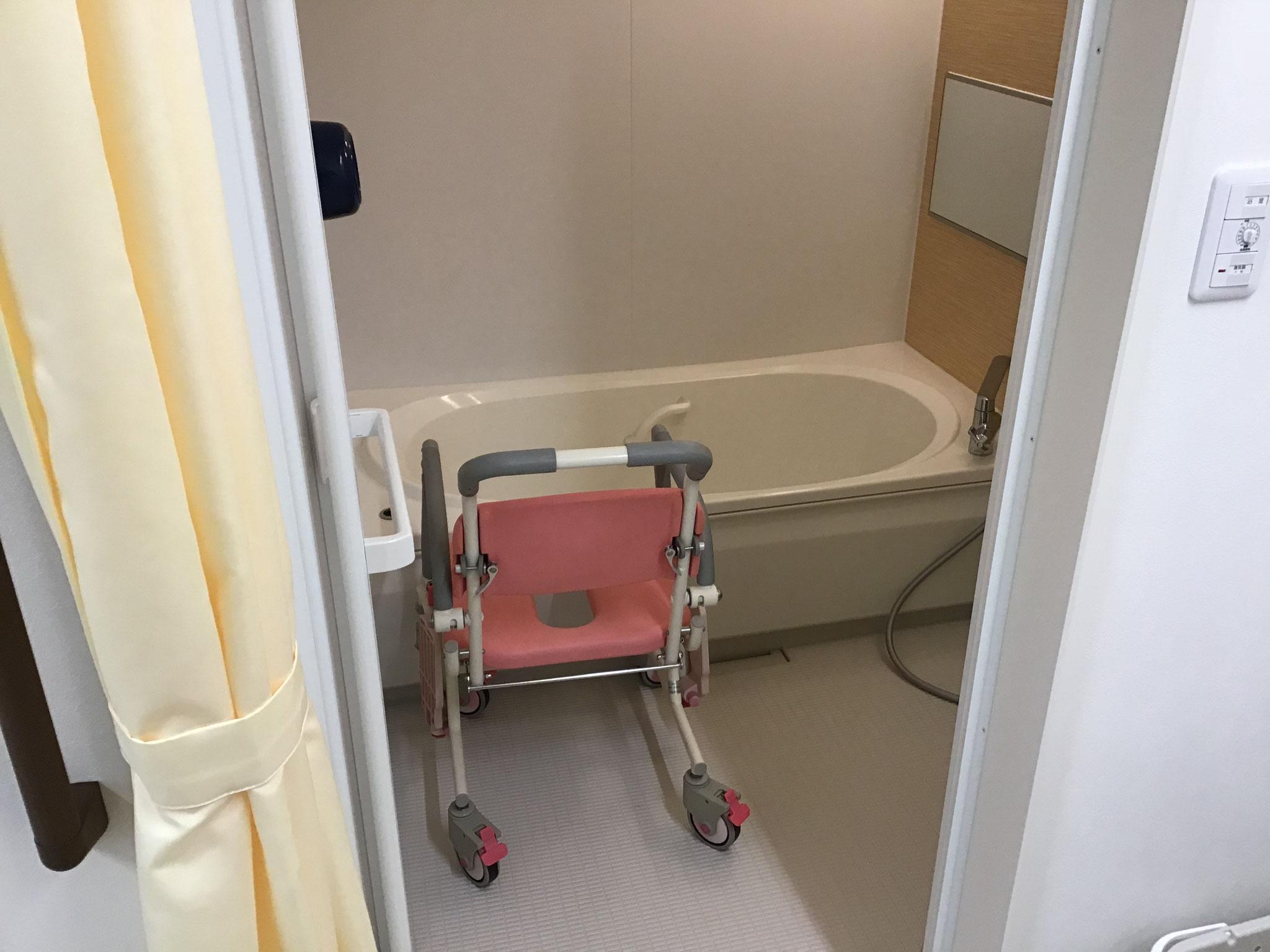 一般浴室 当事業所はお一人お一人入浴可能な個浴タイプです。