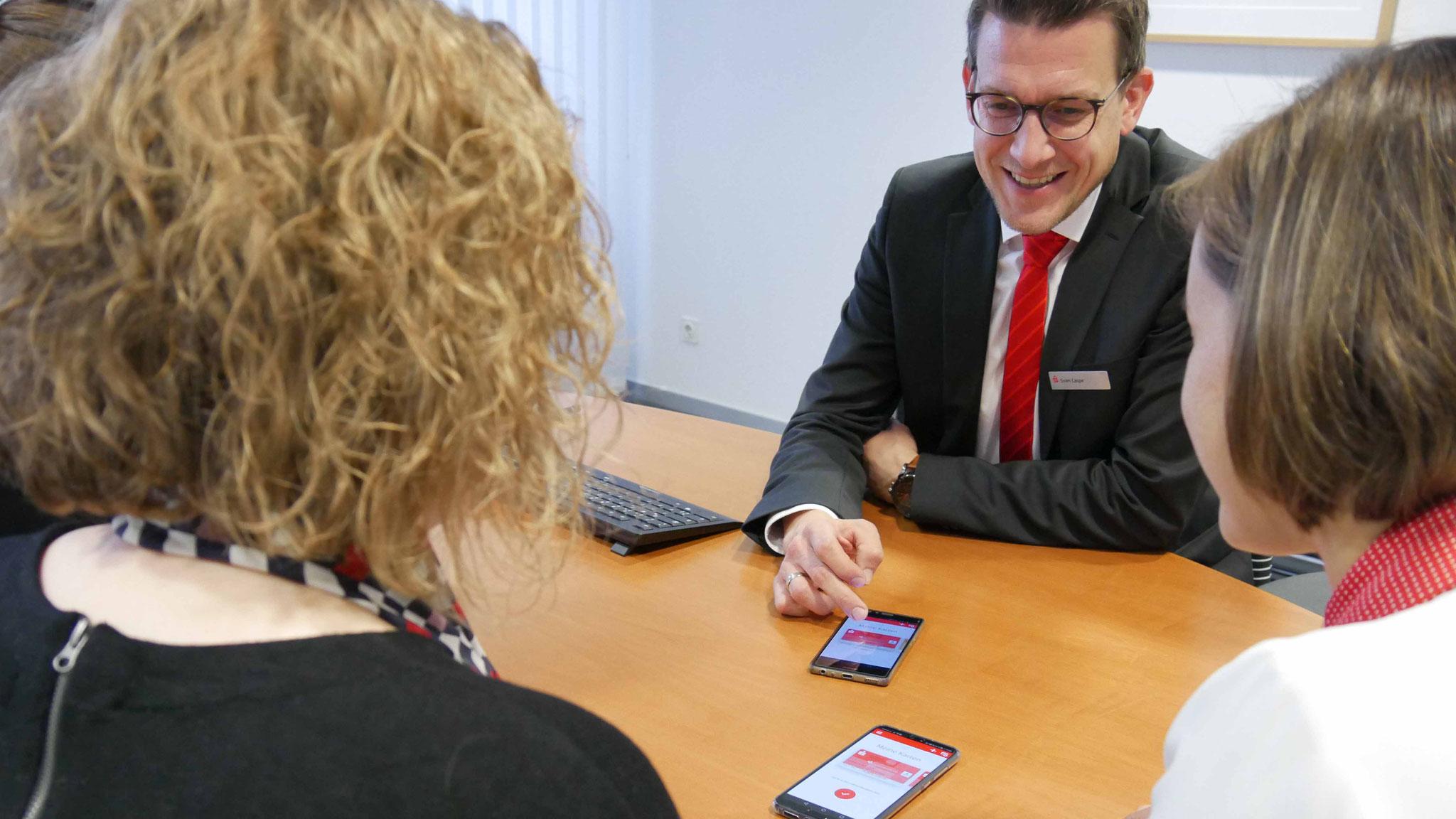 Wenn ein Bankmitarbeiter die Sparkassen-App noch nie benutzt hat, kann er nicht kompetent beraten.