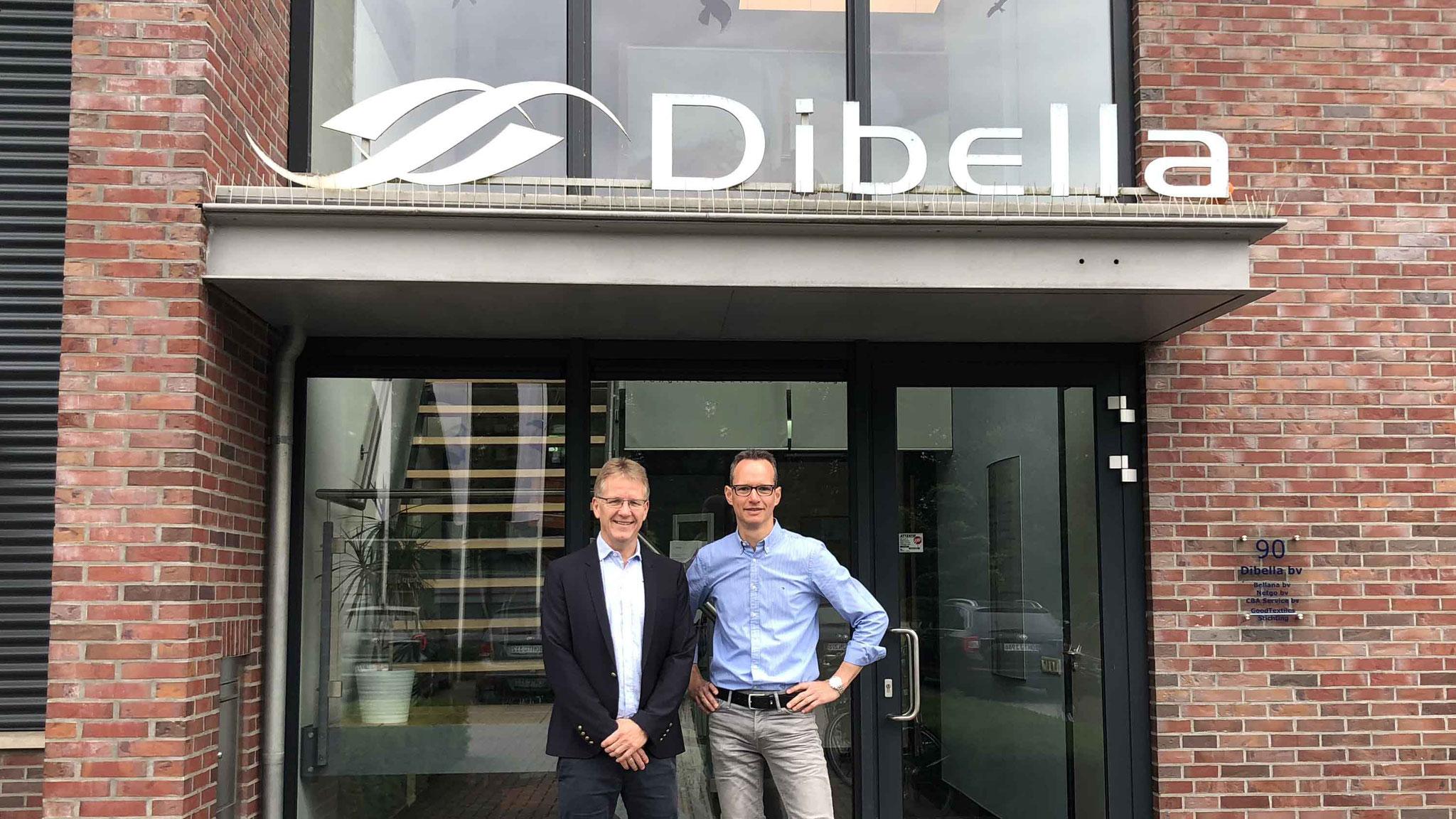 Dibella-Geschäftsführer Ralf Hellmann und Prokurist Carsten Ridder setzen den digitalen Wandel langsam und gemeinsam mit den Mitarbeitern um.