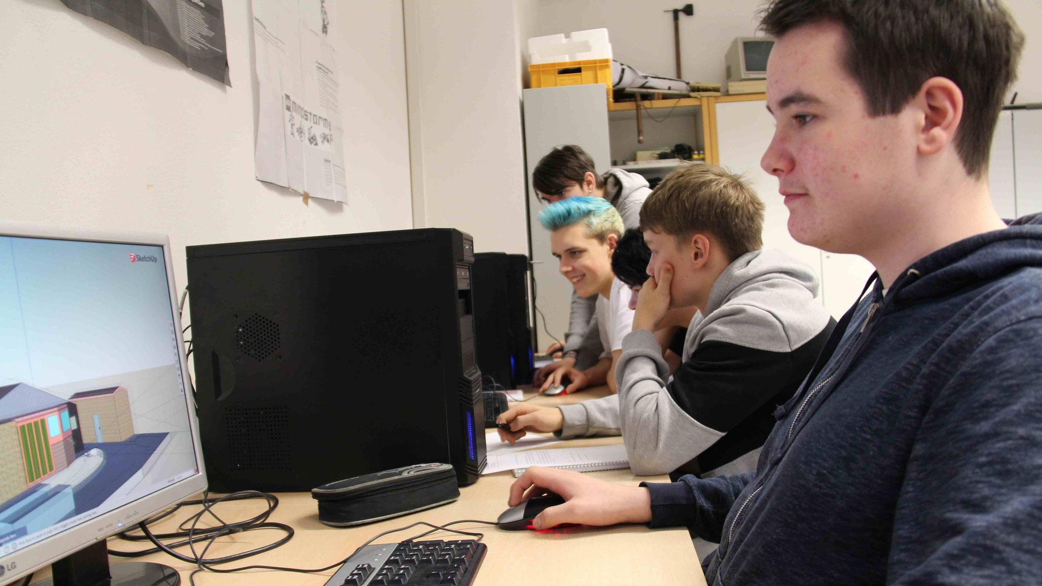 Moritz Pfeiffer gehört zu den Schülern des Informatikkurses, die die Gartenmodelle planen und später ausdrucken