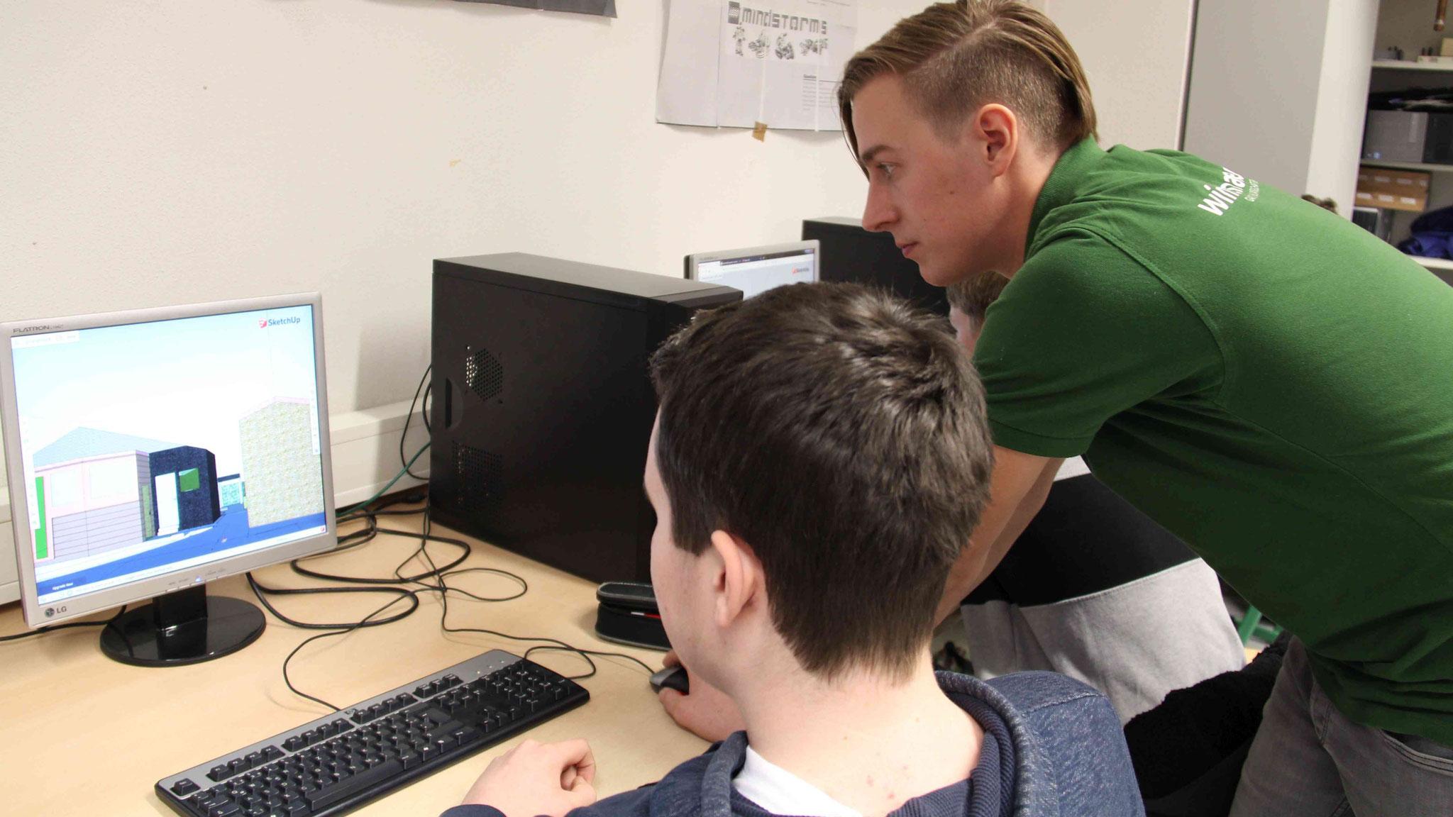 Die Schüler der Sekundarschule Horstmar-Schöppingen lernen dank der Kooperation mit Winterhalter die Arbeit mit 3D-Programmen.