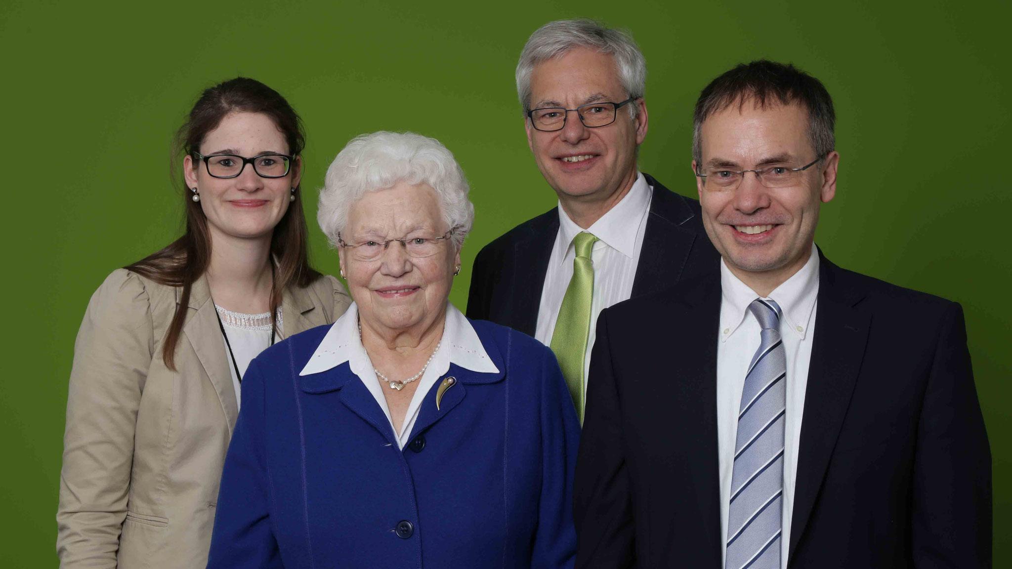 Drei Generationen der LVM-Versicherungsagentur Falke