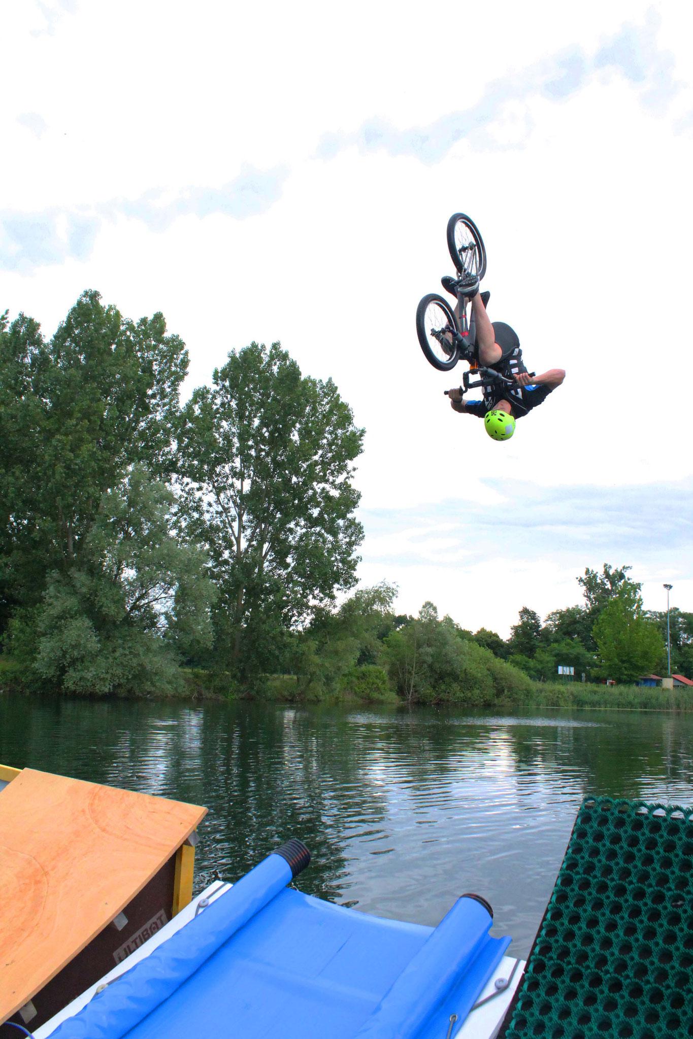 Wassersprung Contest