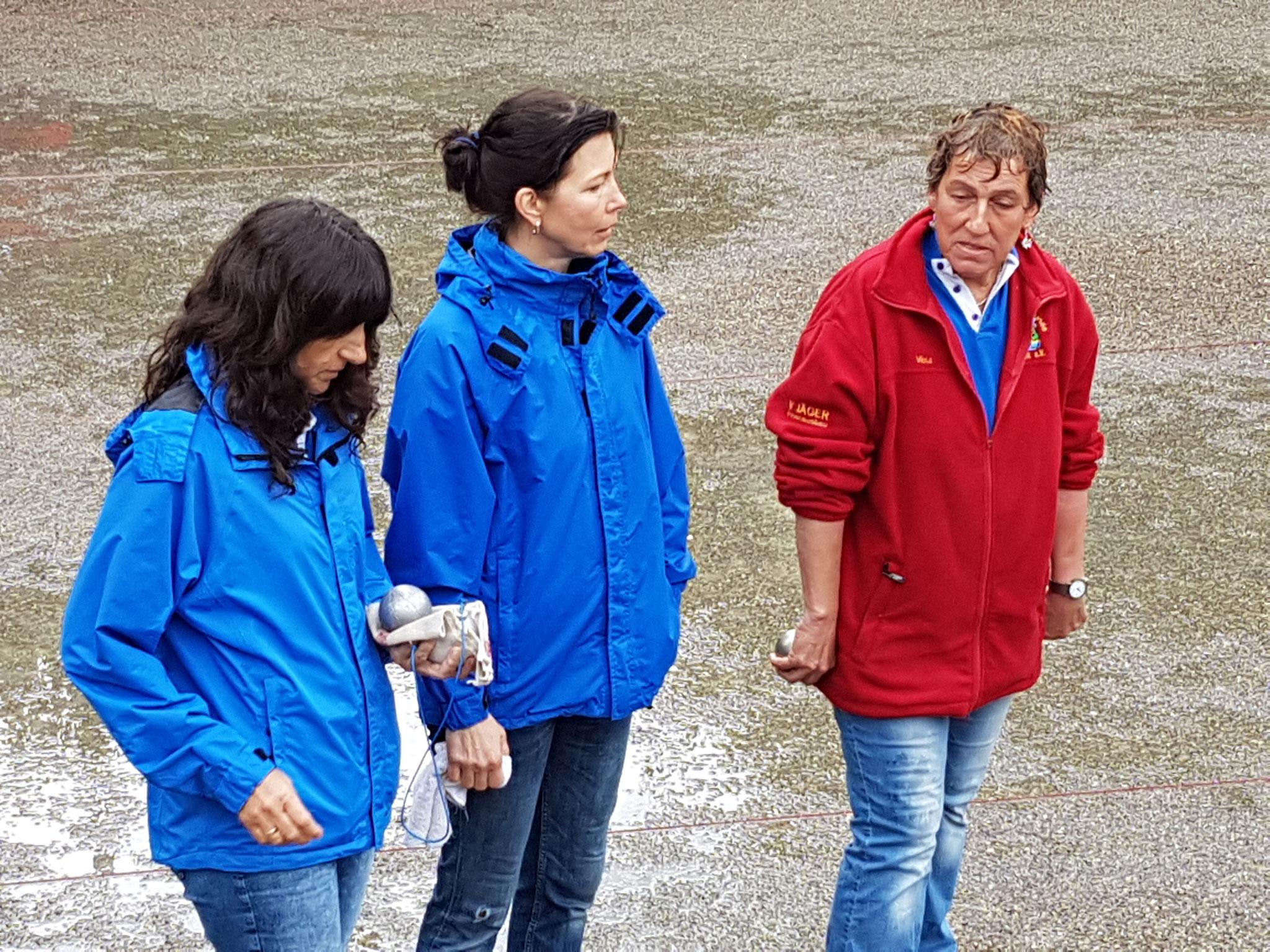 Siegreiches Frauenteam v.l.n.r. Angelika, Sandra u. Viola