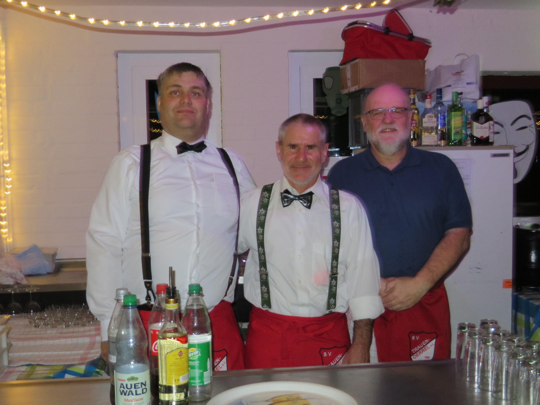 Unser Team am Tresen (Dennis Vandreike, Peter Greisinger und Reimund Jochheim)