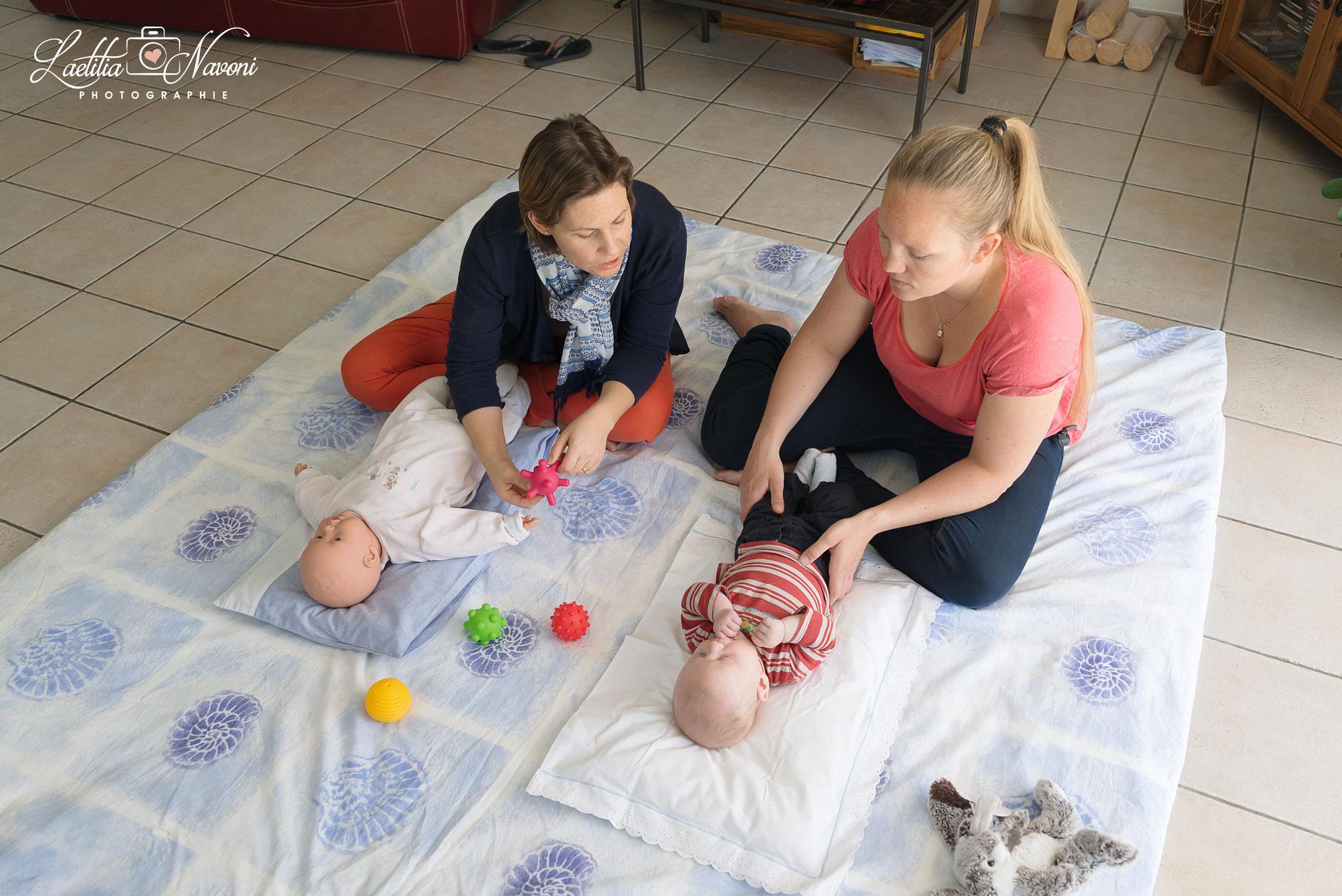 Initiation Massage-bébé photographiée