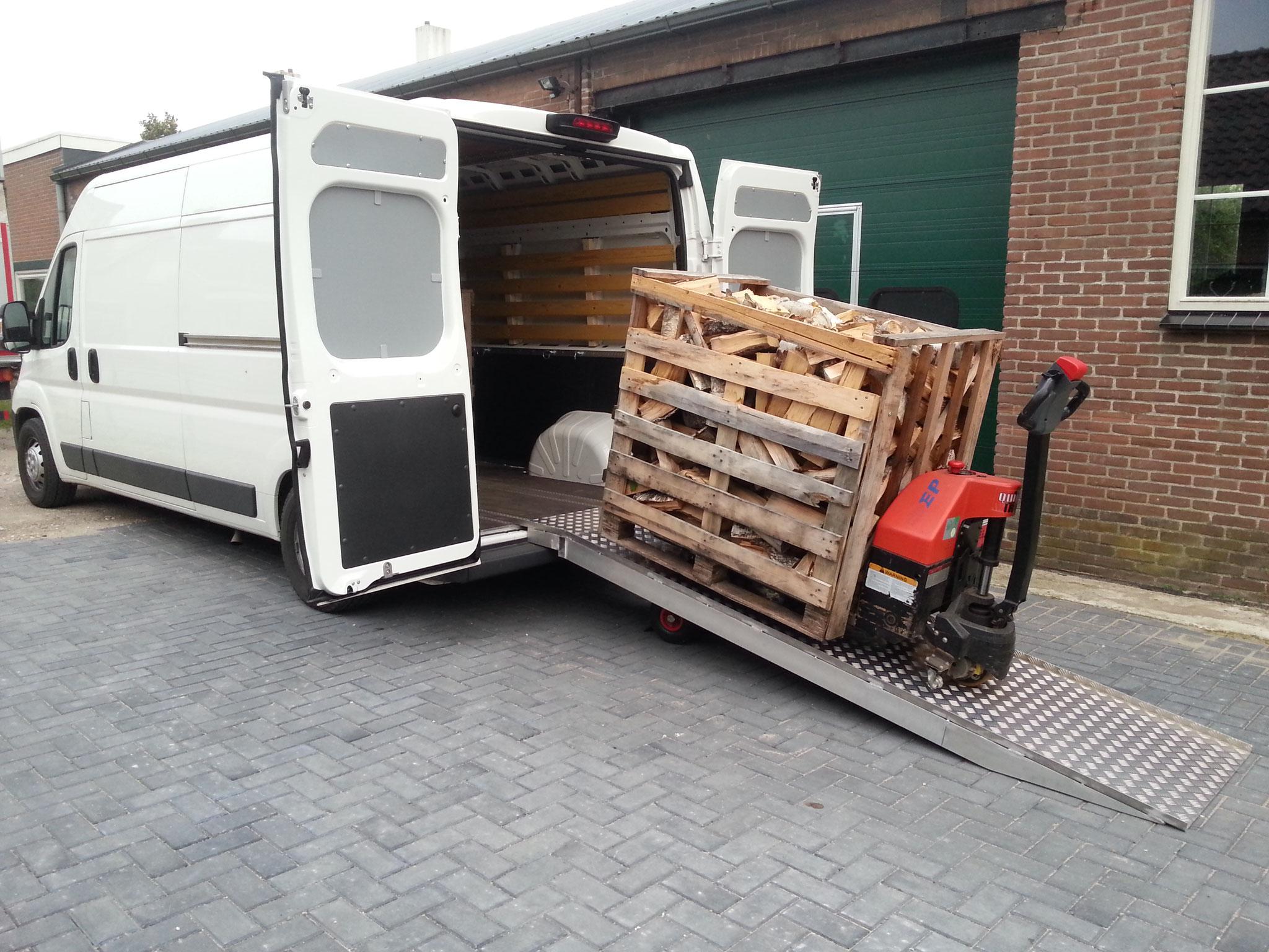 L3H2 bus met laadbrug