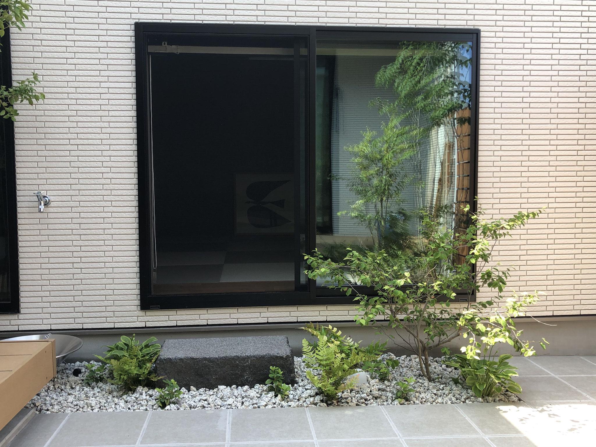 オリジナル 沓脱石 黒御影石(刈谷市)
