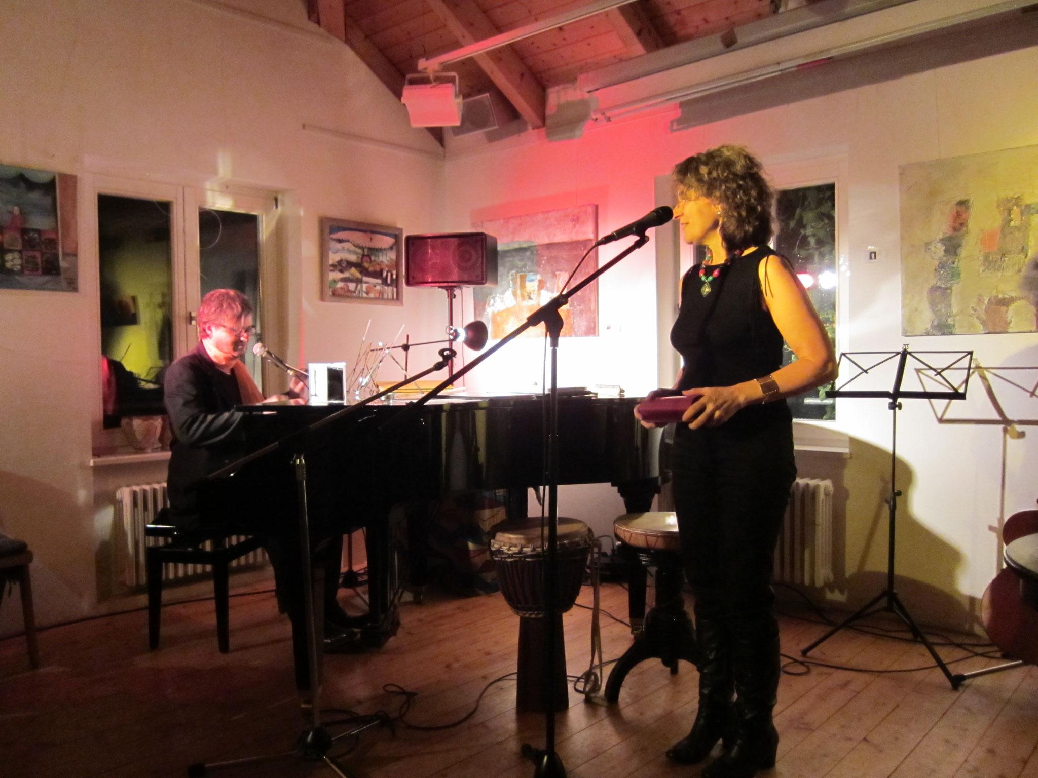 07.012.2012 Duo Herzton (mit Karel Kaiser) im Café Bernstein, Feucht (Foto Katharina Hubner)