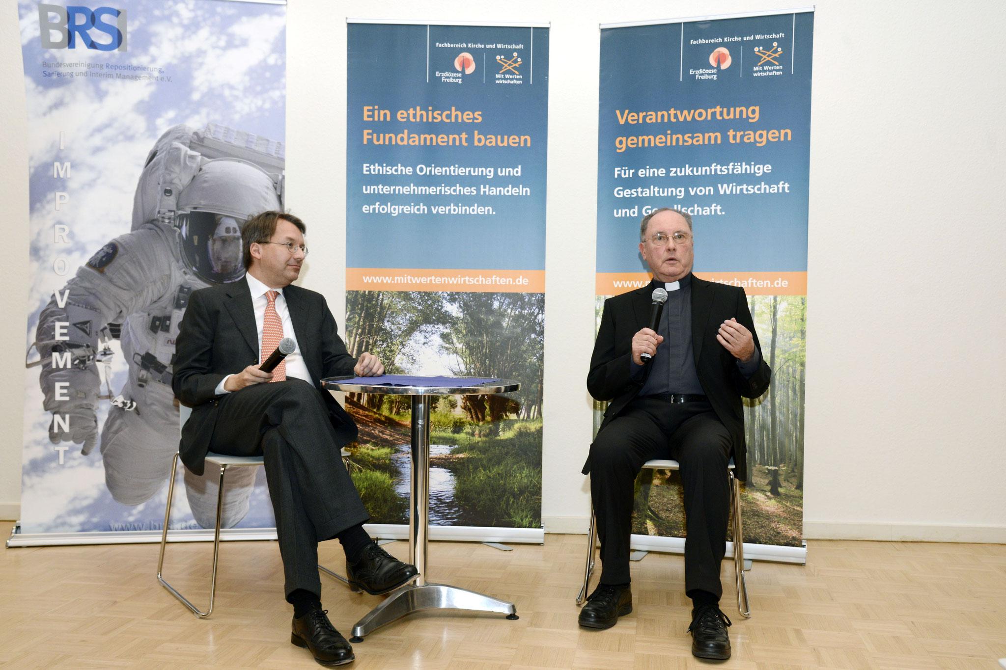Dr. Gröpl moderiert den Vortrag. Dr. Mehlmann steht Rede und Antwort.   Bild Copyright Helmut G. Roos