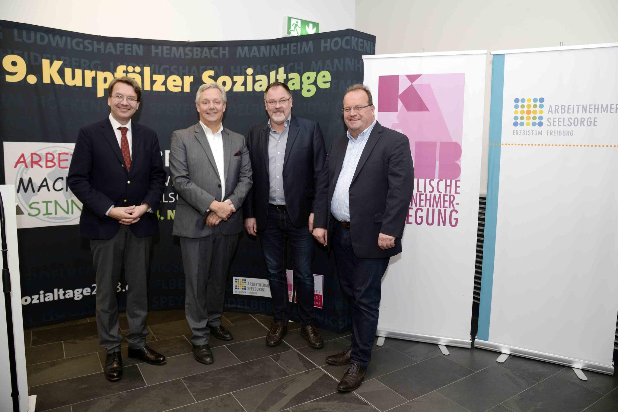 Dr. Gröpl, Prof. Dr. Felder, Ulf Bergemann (Referent für Arbeitnehmerpastoral KAB in Mannheim), Uwe Terhorst (Referent für Arbeitnehmerpastoral / KAB in Mannheim), Bild: Copyright by Helmut G. Roos