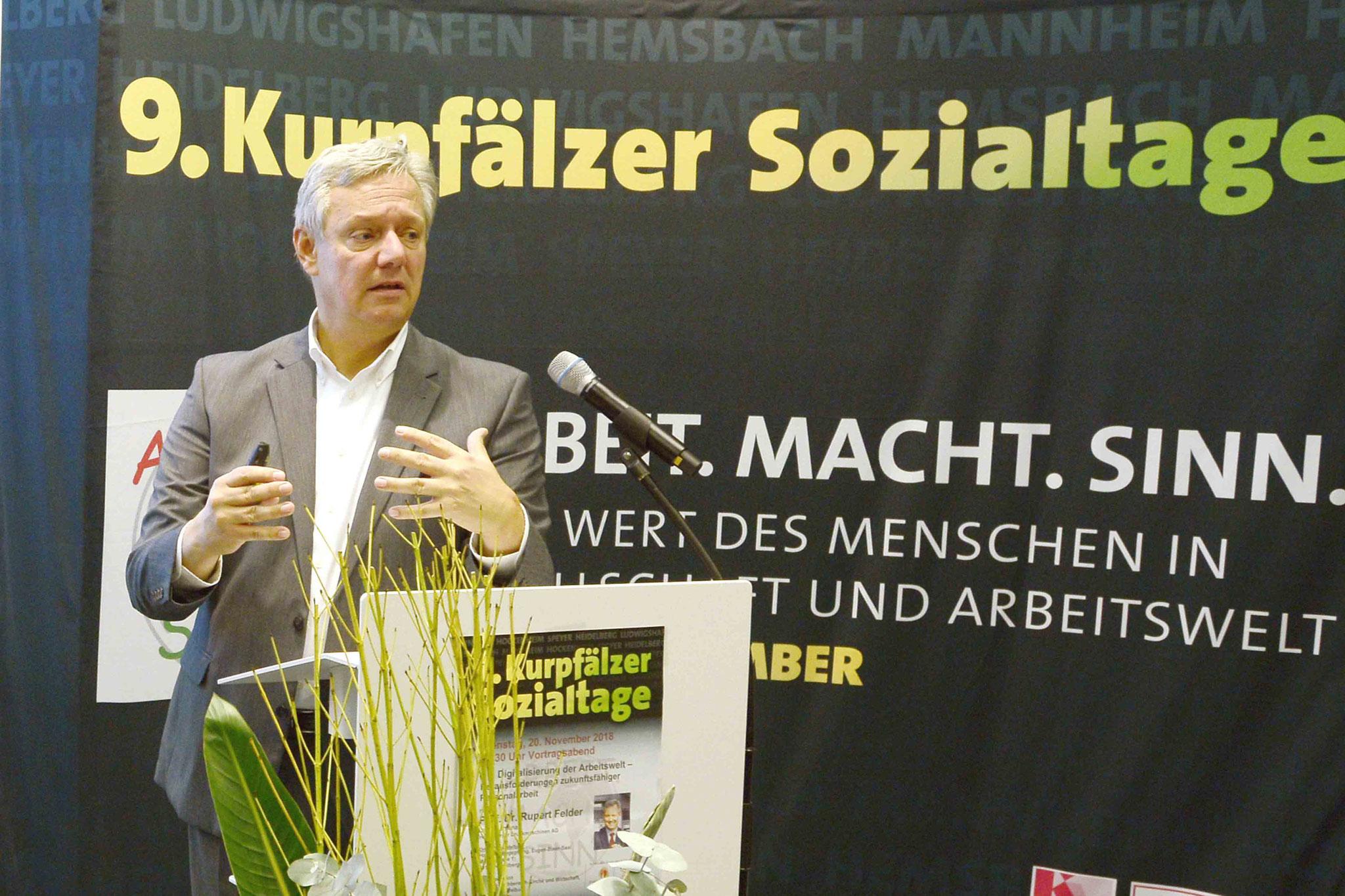 Prof. Dr. Felder, Bild: Copyright by Helmut G. Roos
