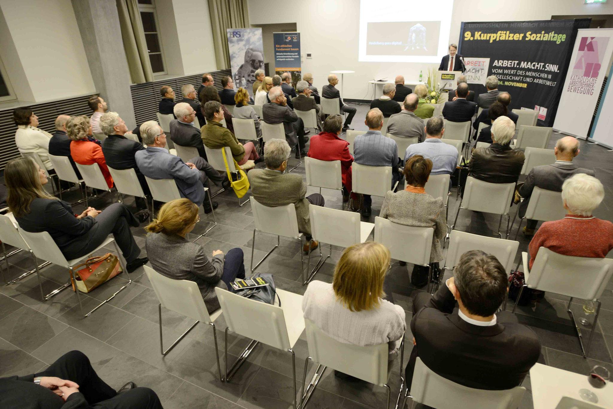 Publikum, Bild: Copyright by Helmut G. Roos
