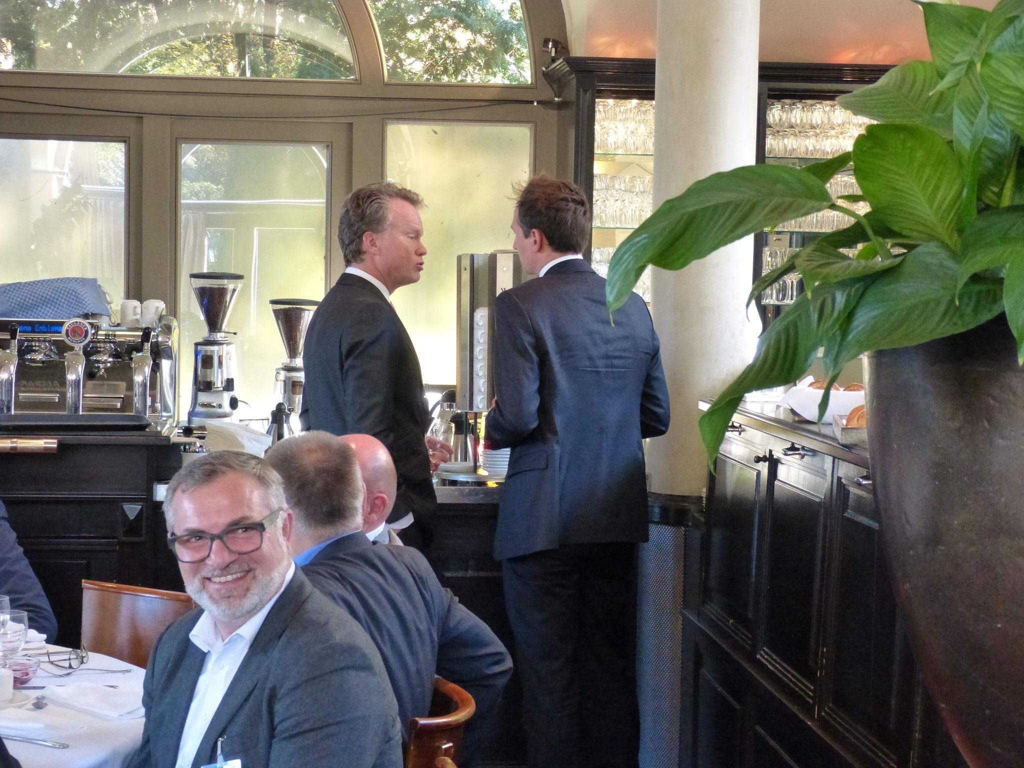 Mitveranstalter Carl-Jan von der Goltz, Geschäftsführer (Maturus Finance GmbH) im Gespräch