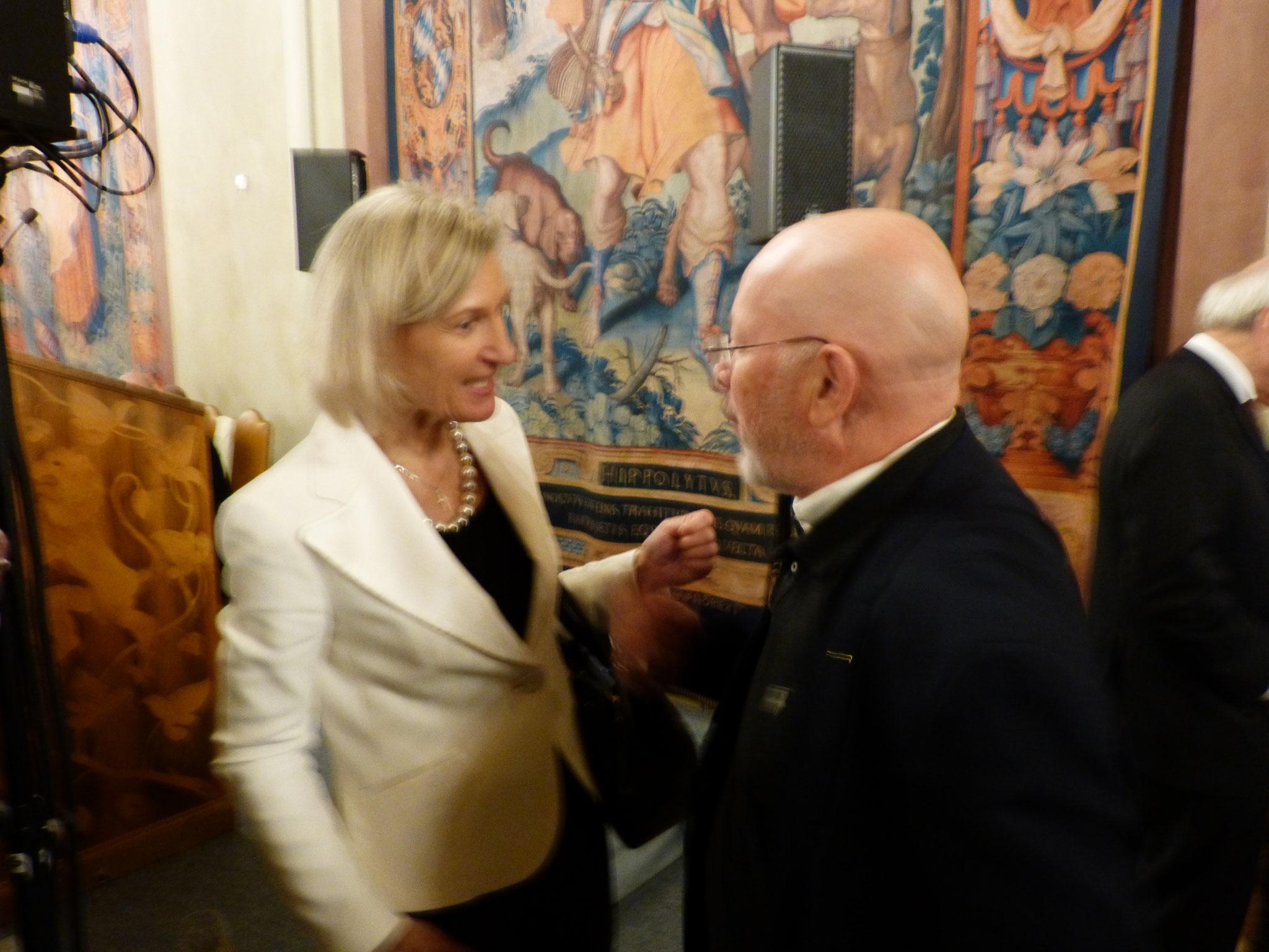 Dr. Dieter Körner im Gespräch mit der WBU Präsidentin Frau Prof. Angelika Niebler