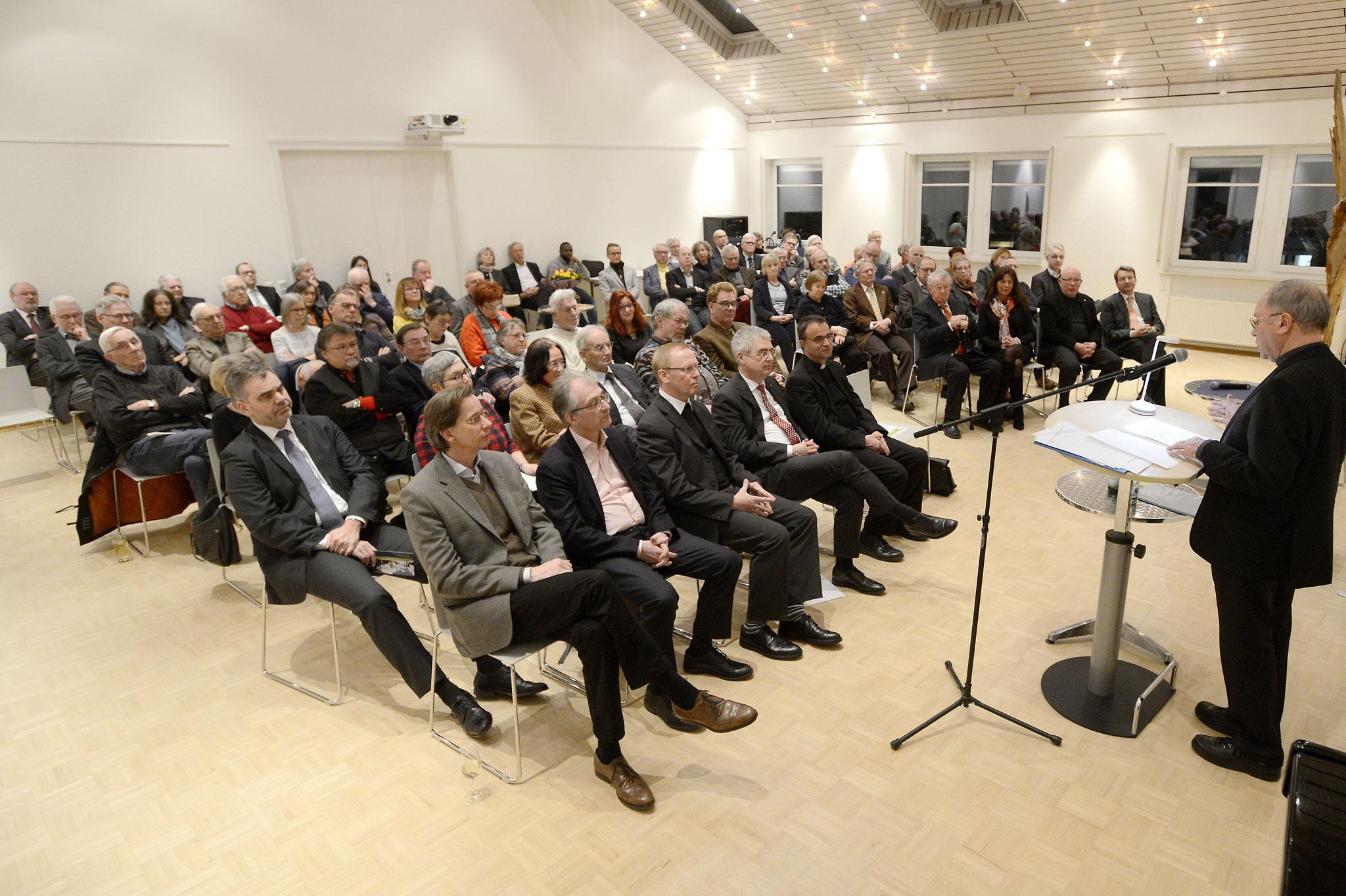 Dem Publikum gefällts. Bild Copyright Helmut G. Roos