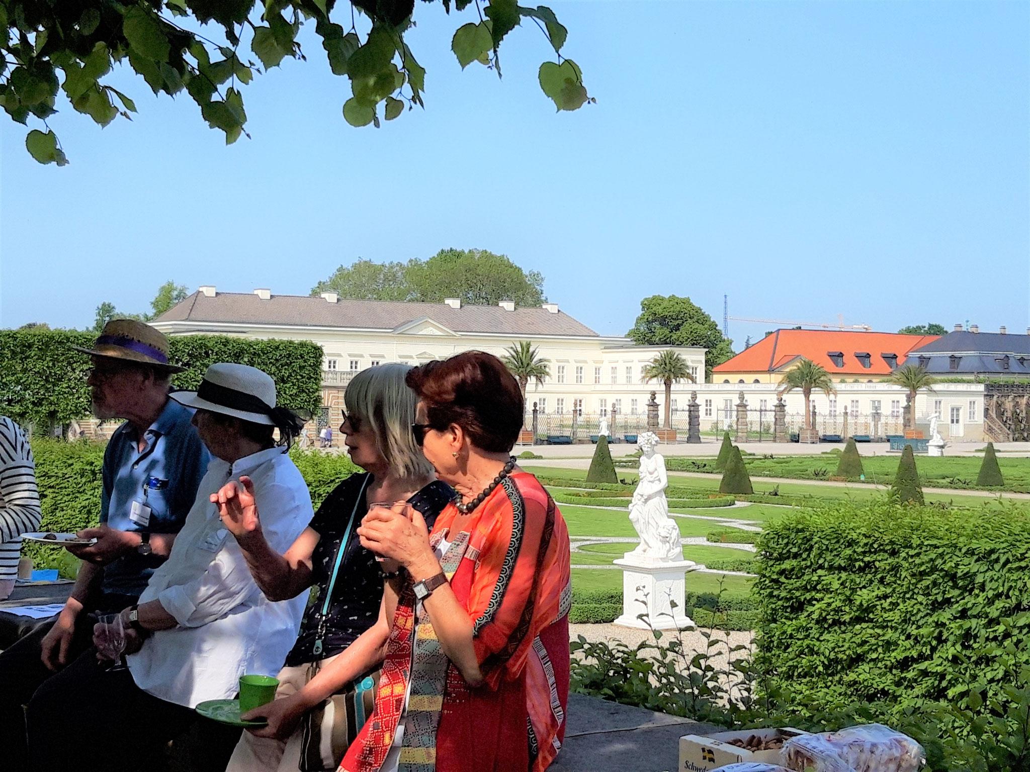 Picknick nach einer Erkundungsrallye durch den Großen Garten Herrenhausen (8)