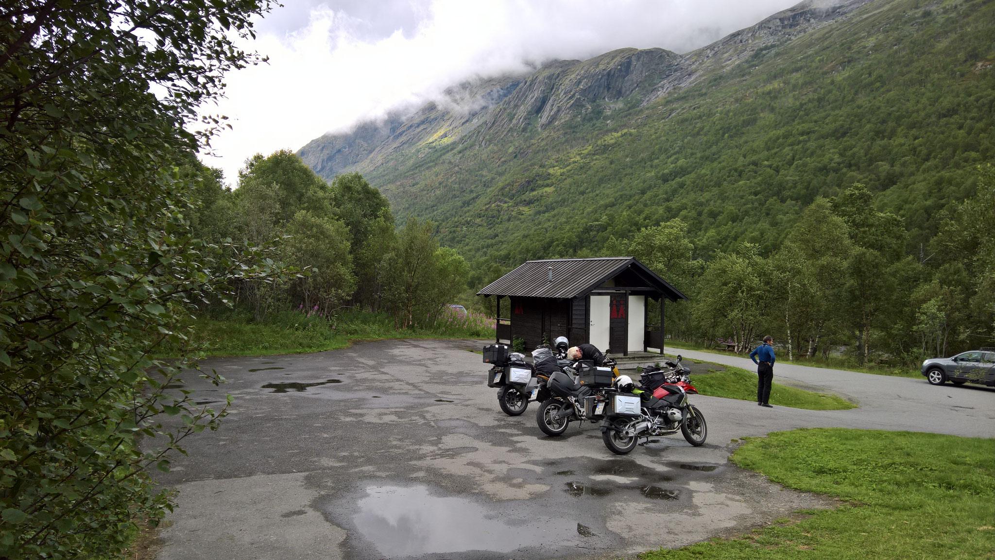 Pause anstatt am Magalaupet-Wasserfall