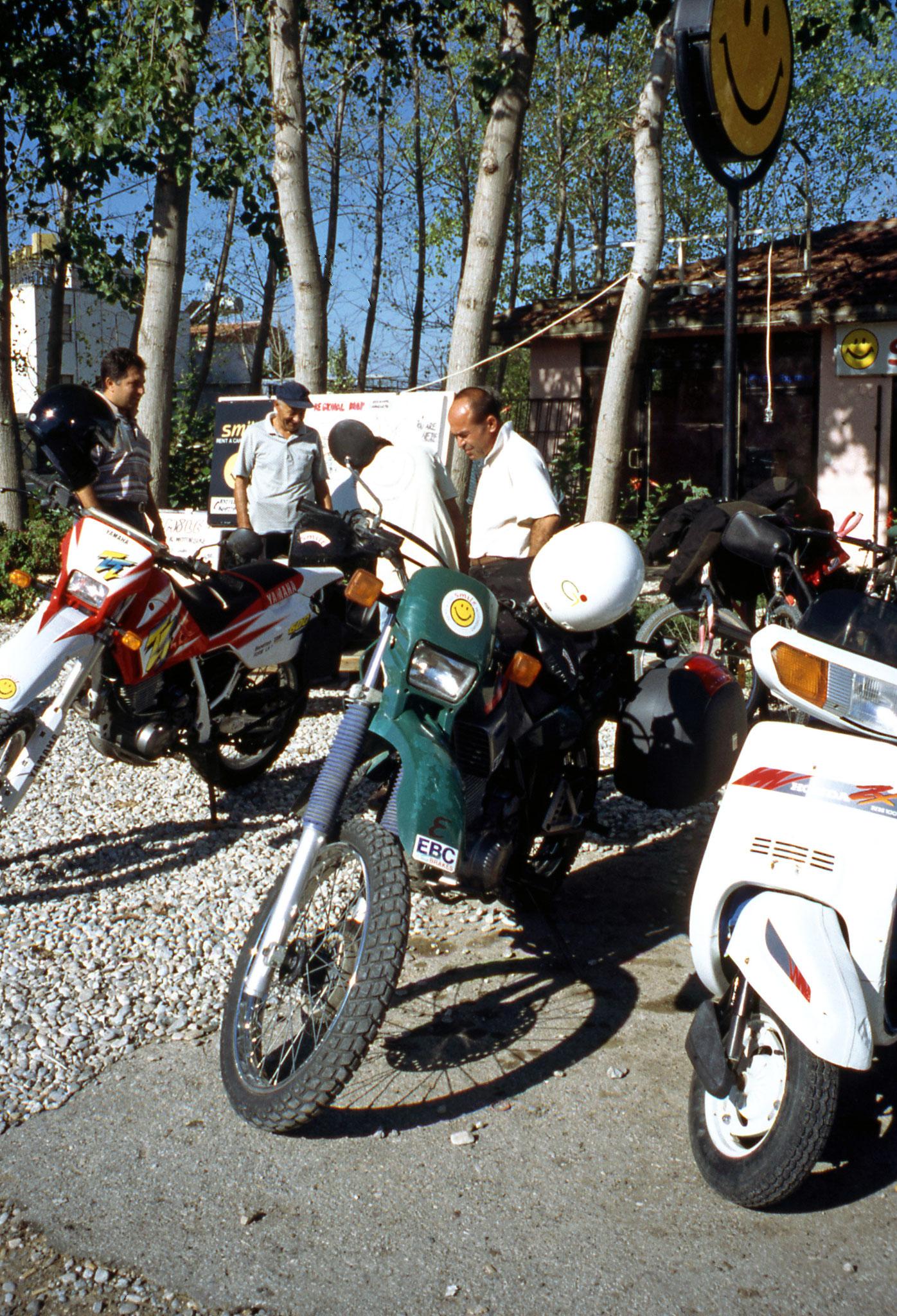 Side Motorradvermietung Smile