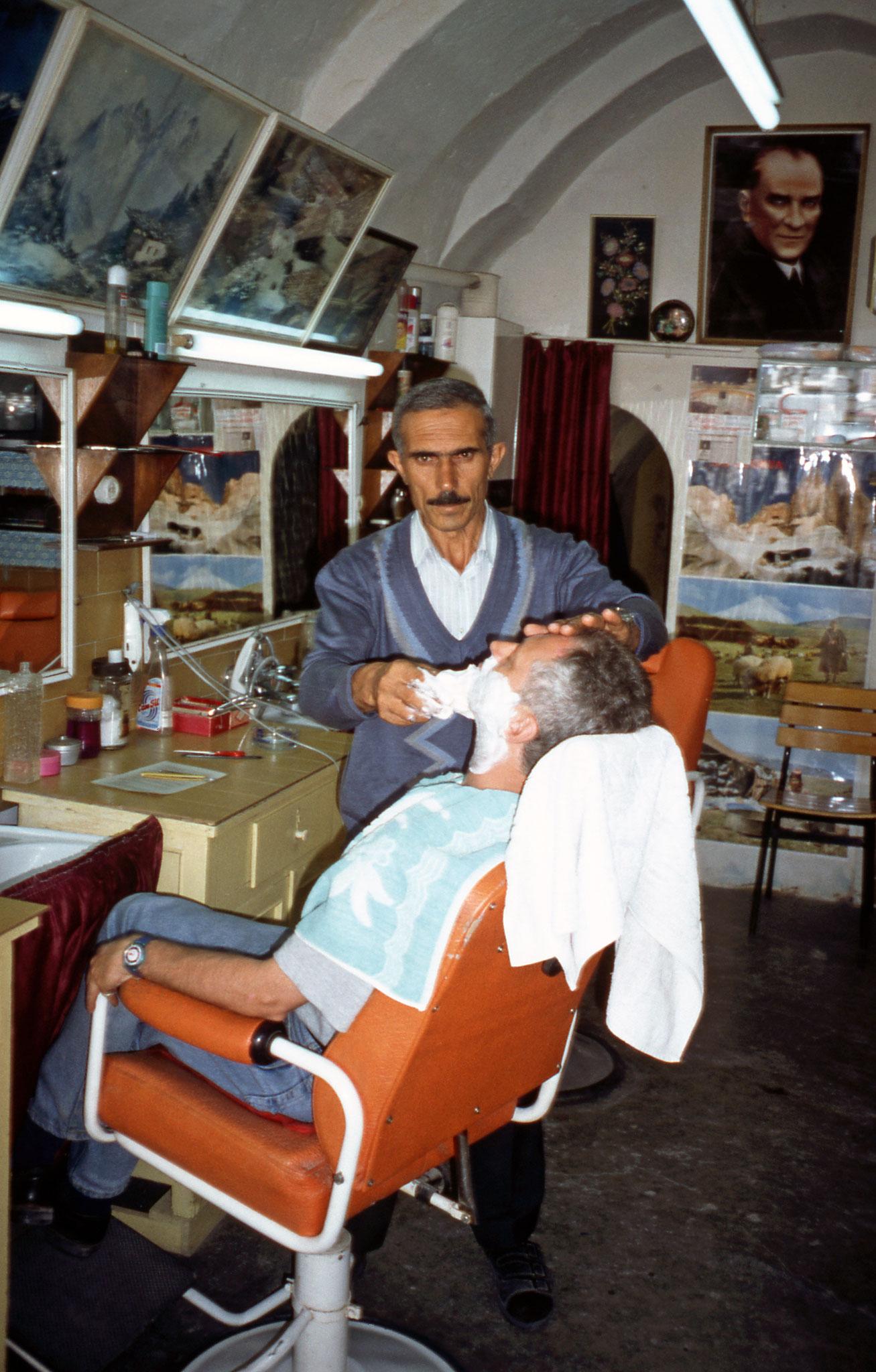 """mit viel """"güven"""" beim Barbier in Avanos"""