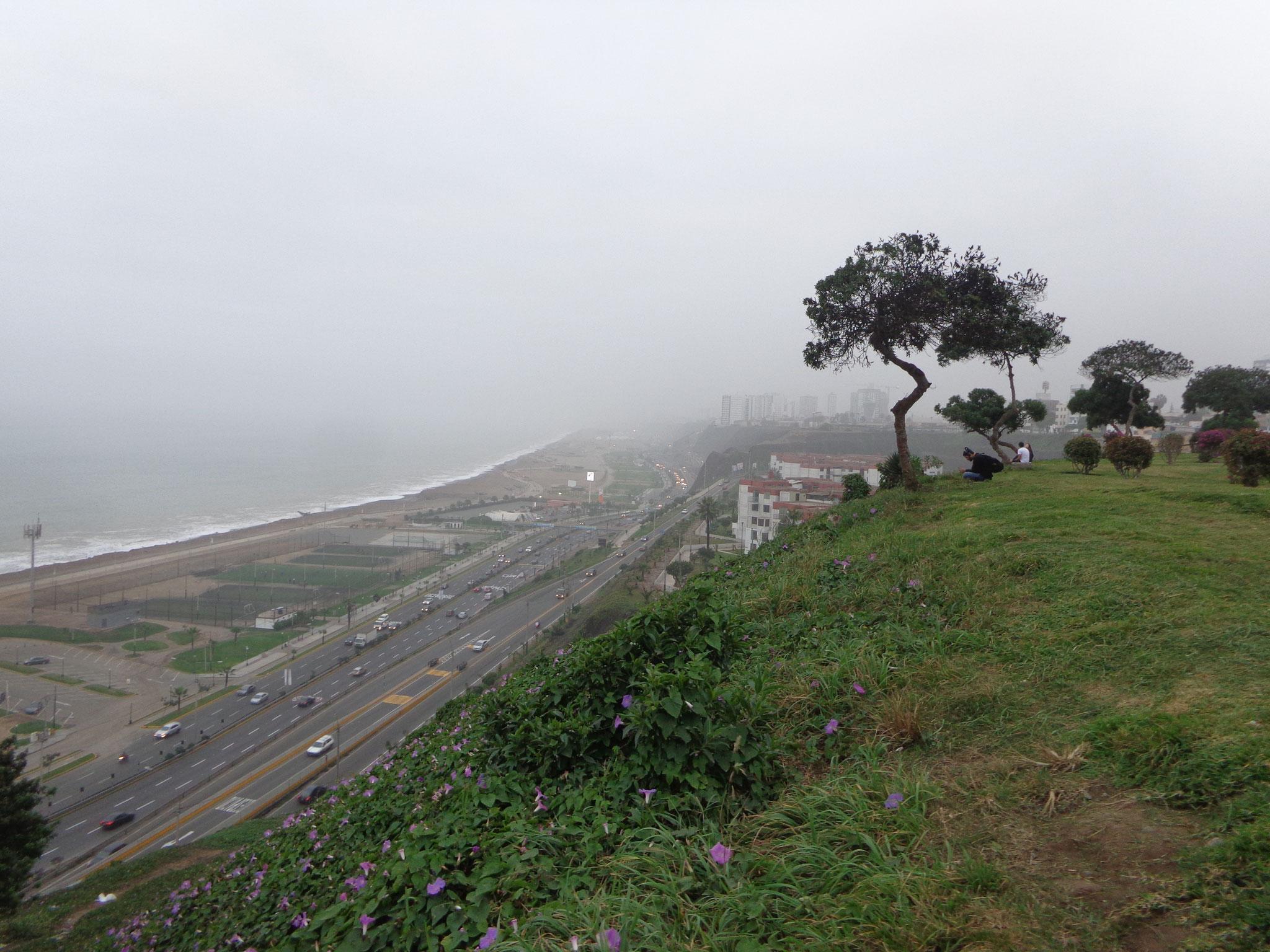 Lima, cest gris! Le Pacifique!!