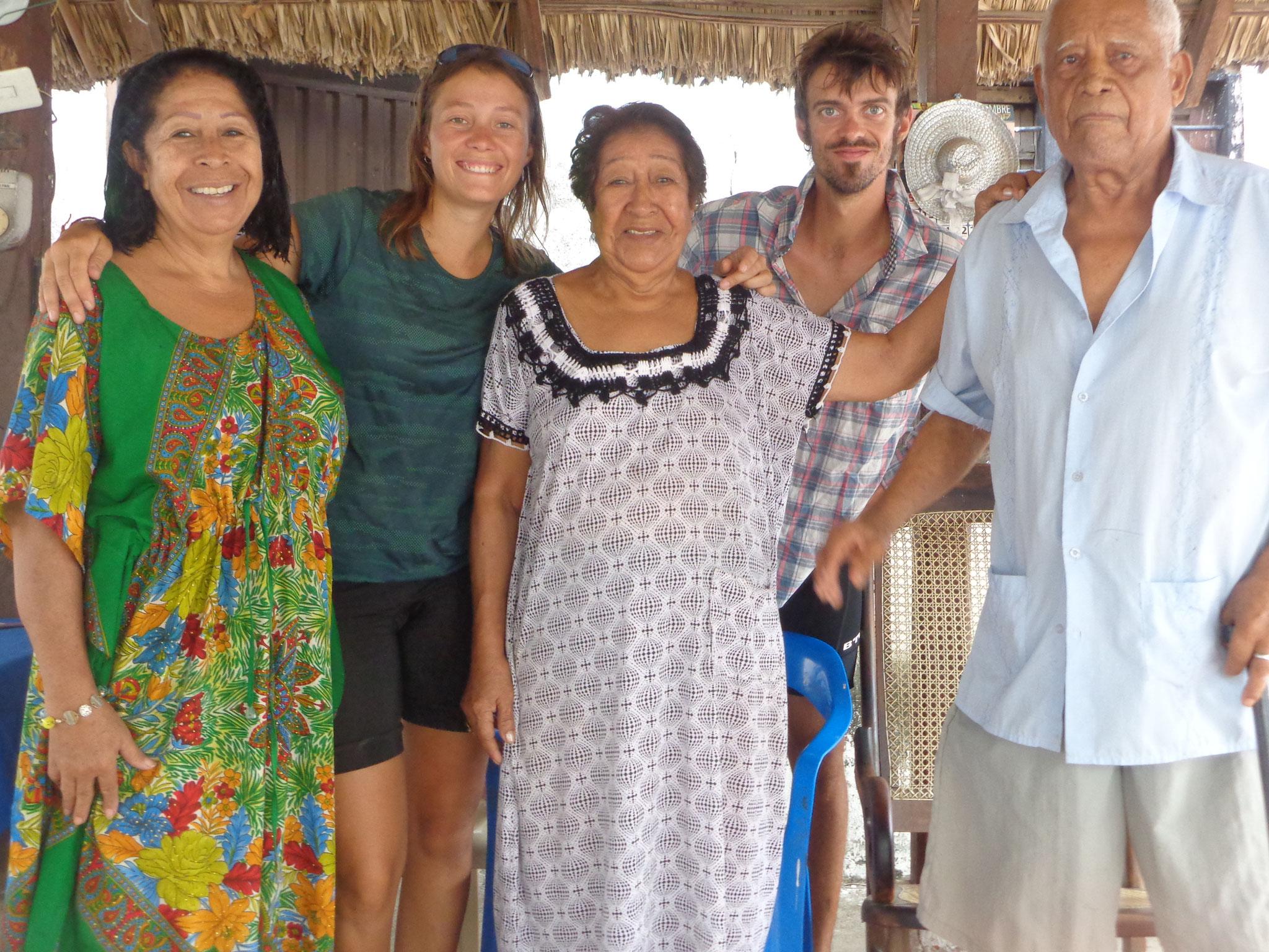 L accueil chaleureux de Maria, Anicia et Carlos
