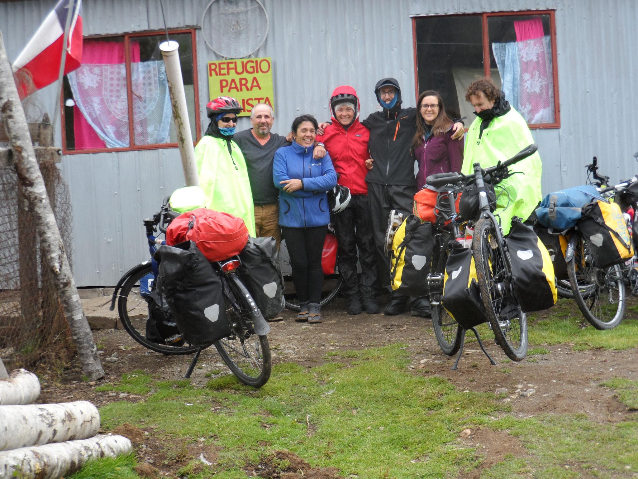 Lendemain de nouvel an au refuge cycliste de Villa Amengual. merci Ines et Jorge!