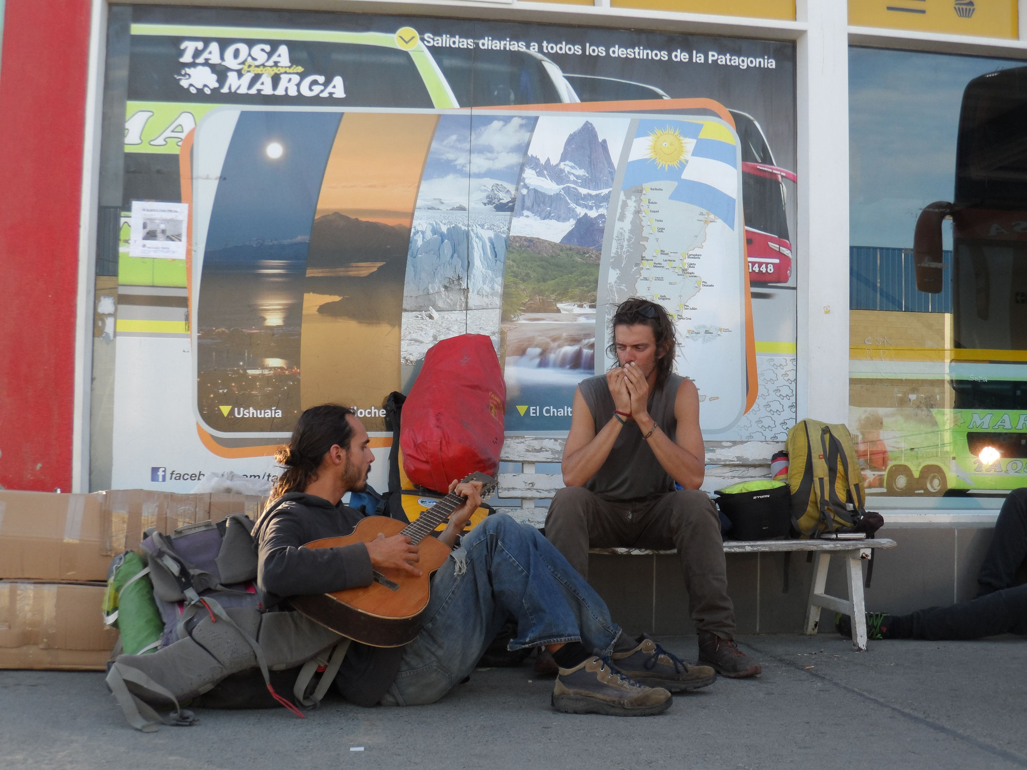 en attendant le bus, avec Emeric de Rennes