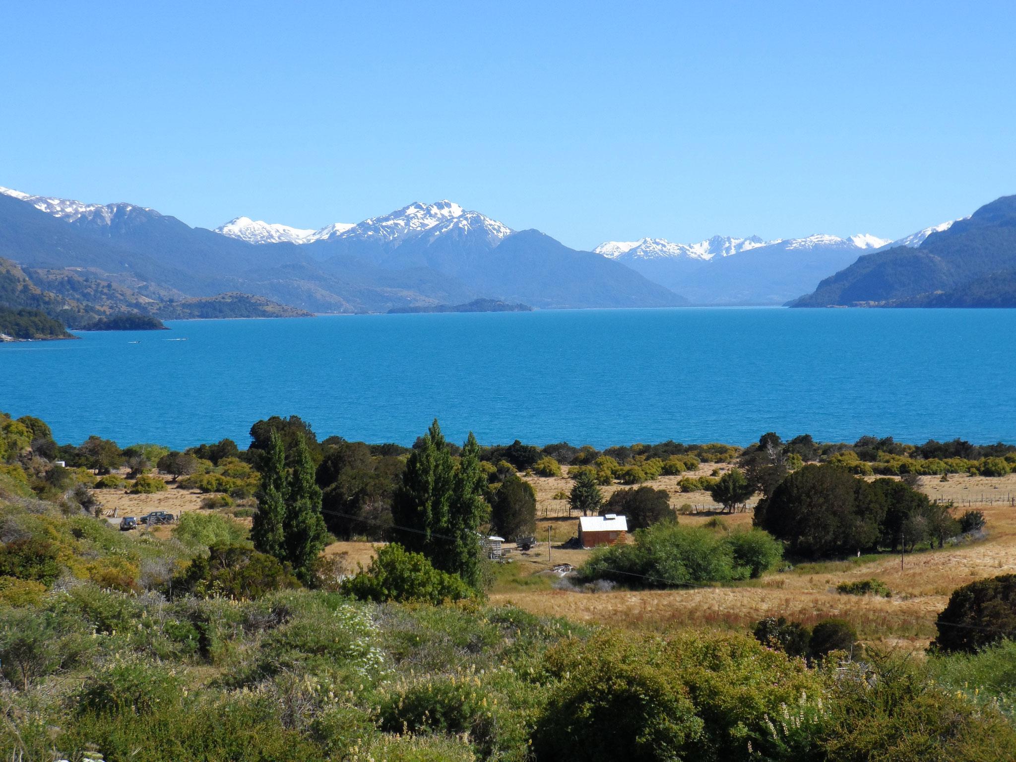 Le lago (lac) General carrera, 2e plus grand d'Amerique du Sud