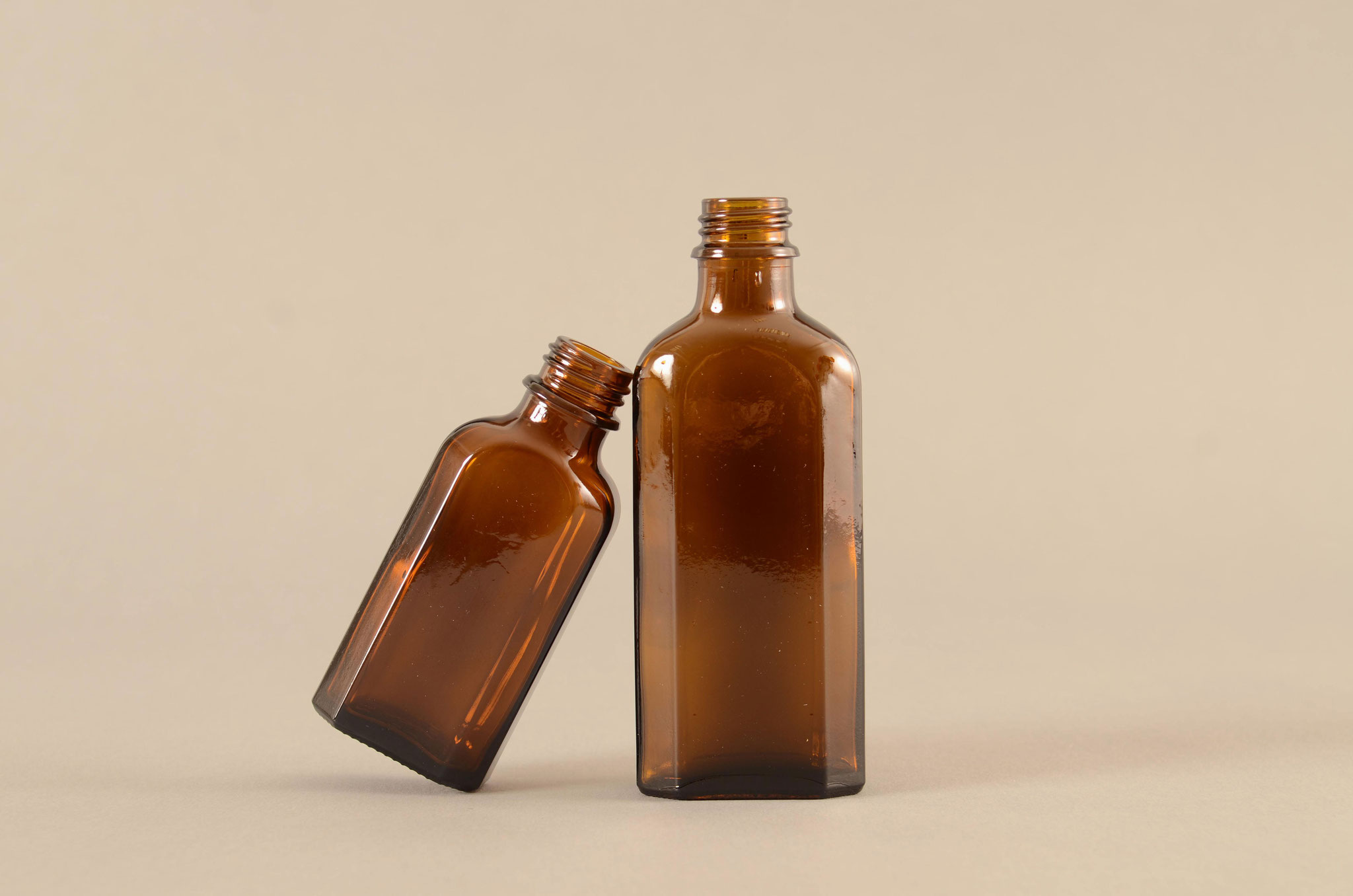 Aus dem TREFFPACK Sortiment - Braunglas Meplatflaschen