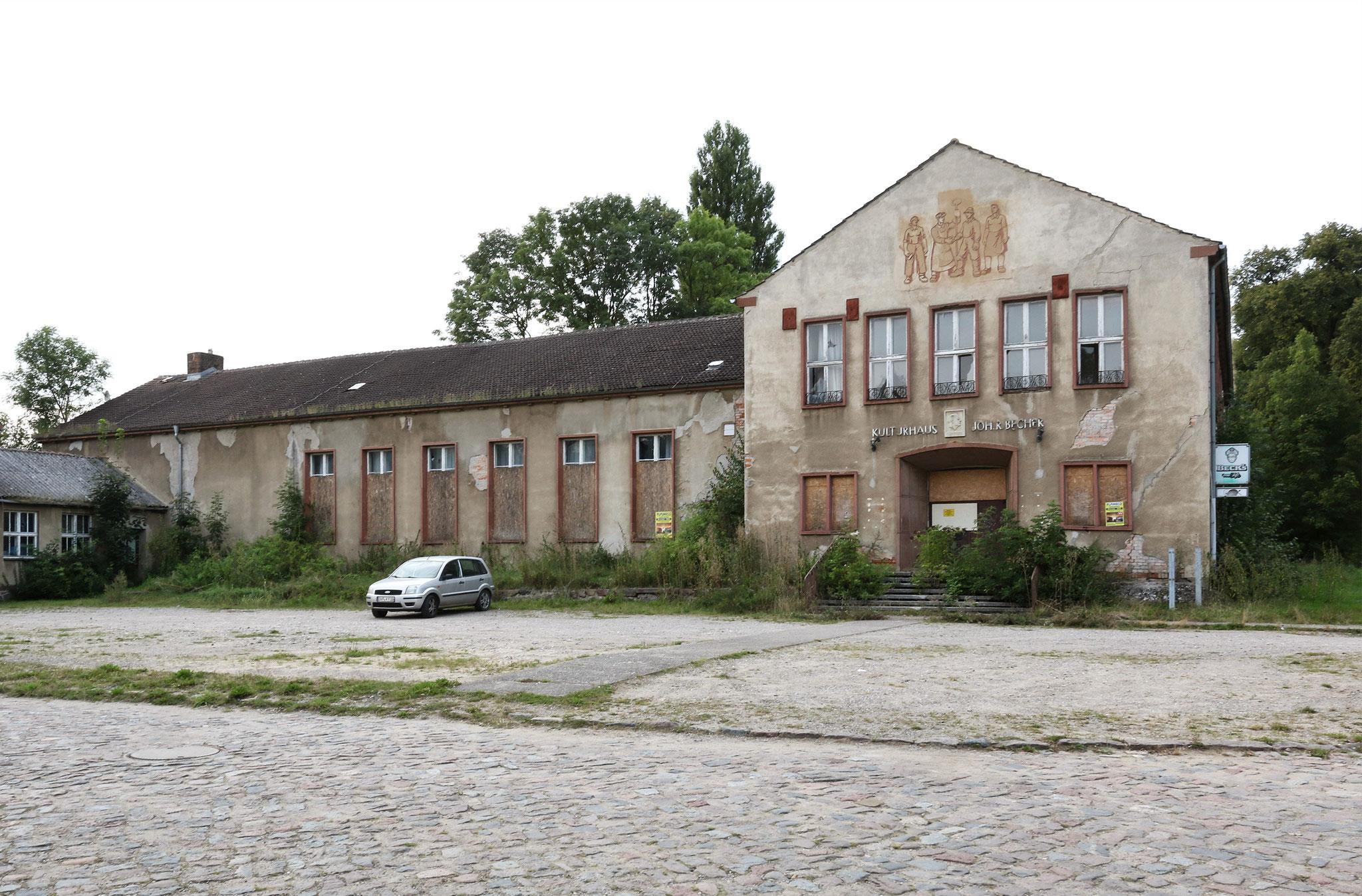 """Kulturhaus """"Johannes R. Becher"""" Bandelin (1955)"""