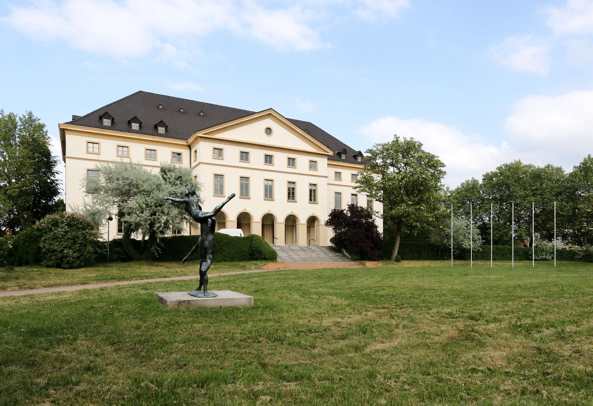 """Klubhaus der Werktätigen """"Walter Ulbricht"""" Leuna-Werke (1927-28)"""