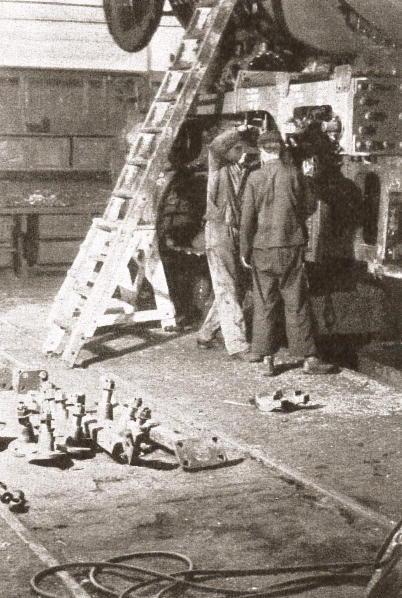 """Kesselschmiede des Werkes (Quelle: """"50 Jahre RAW, 50 Jahre Arbeiterbewegung"""", Zwickau, 1958)"""