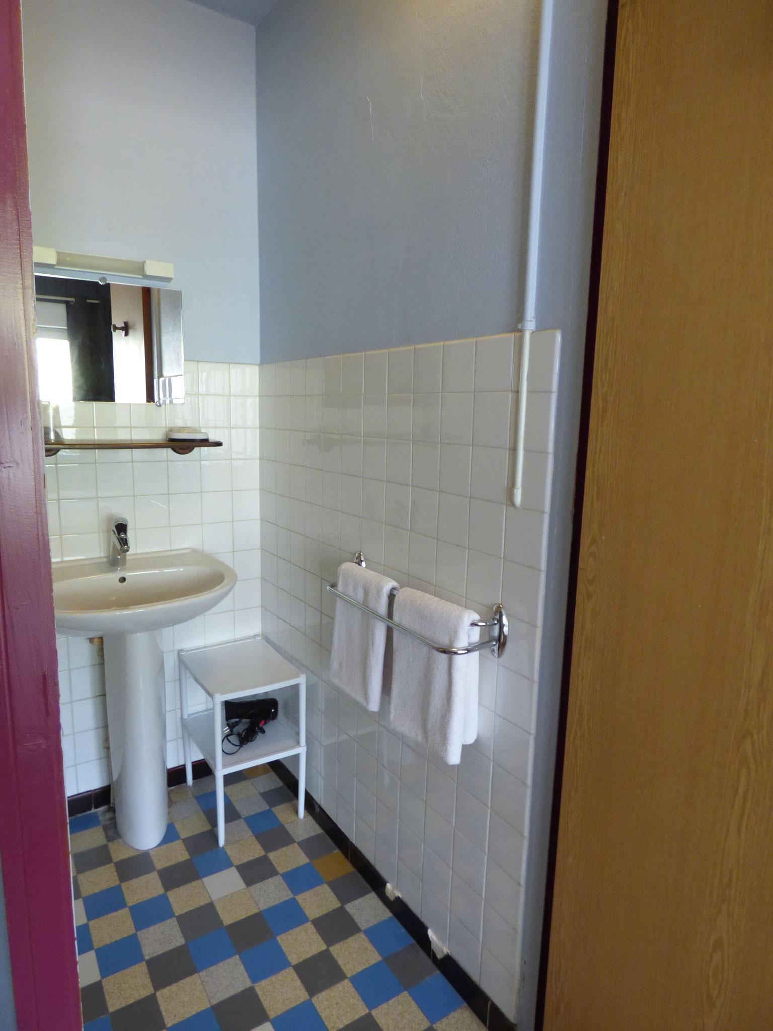 Sanitaire chambre triple