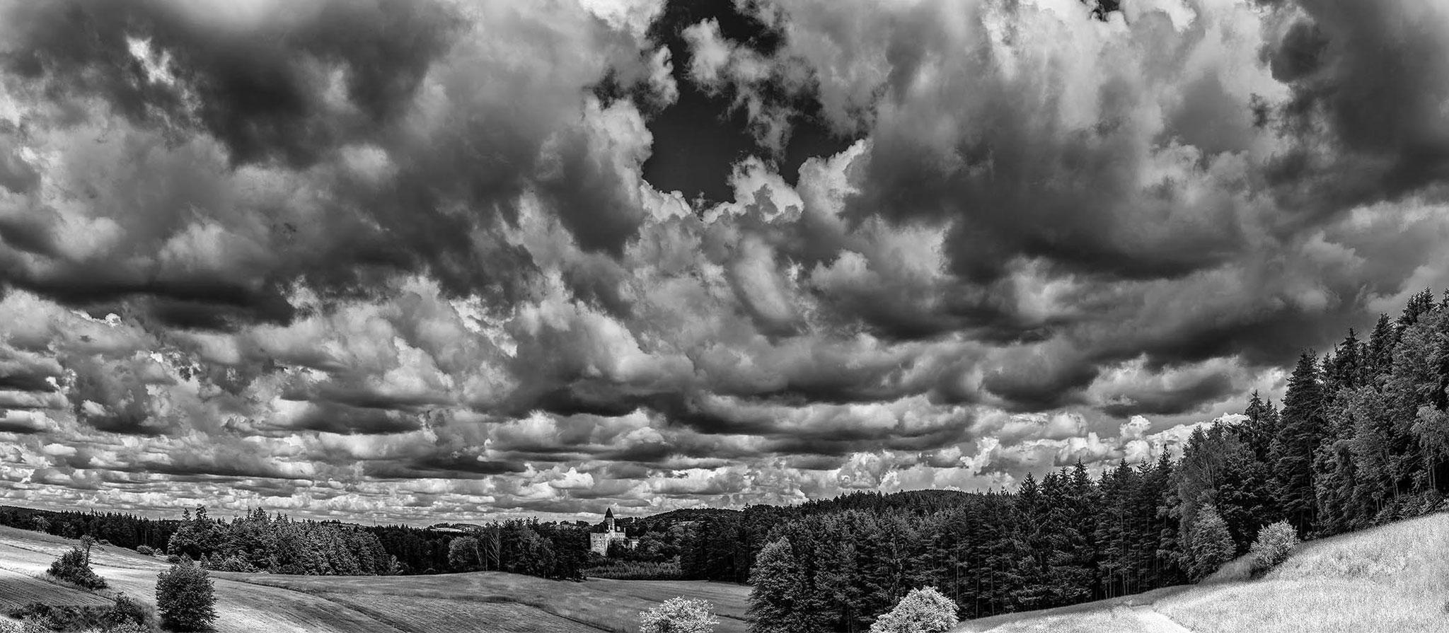 Burg Rastenberg/NÖ, Wolken, 06-2016