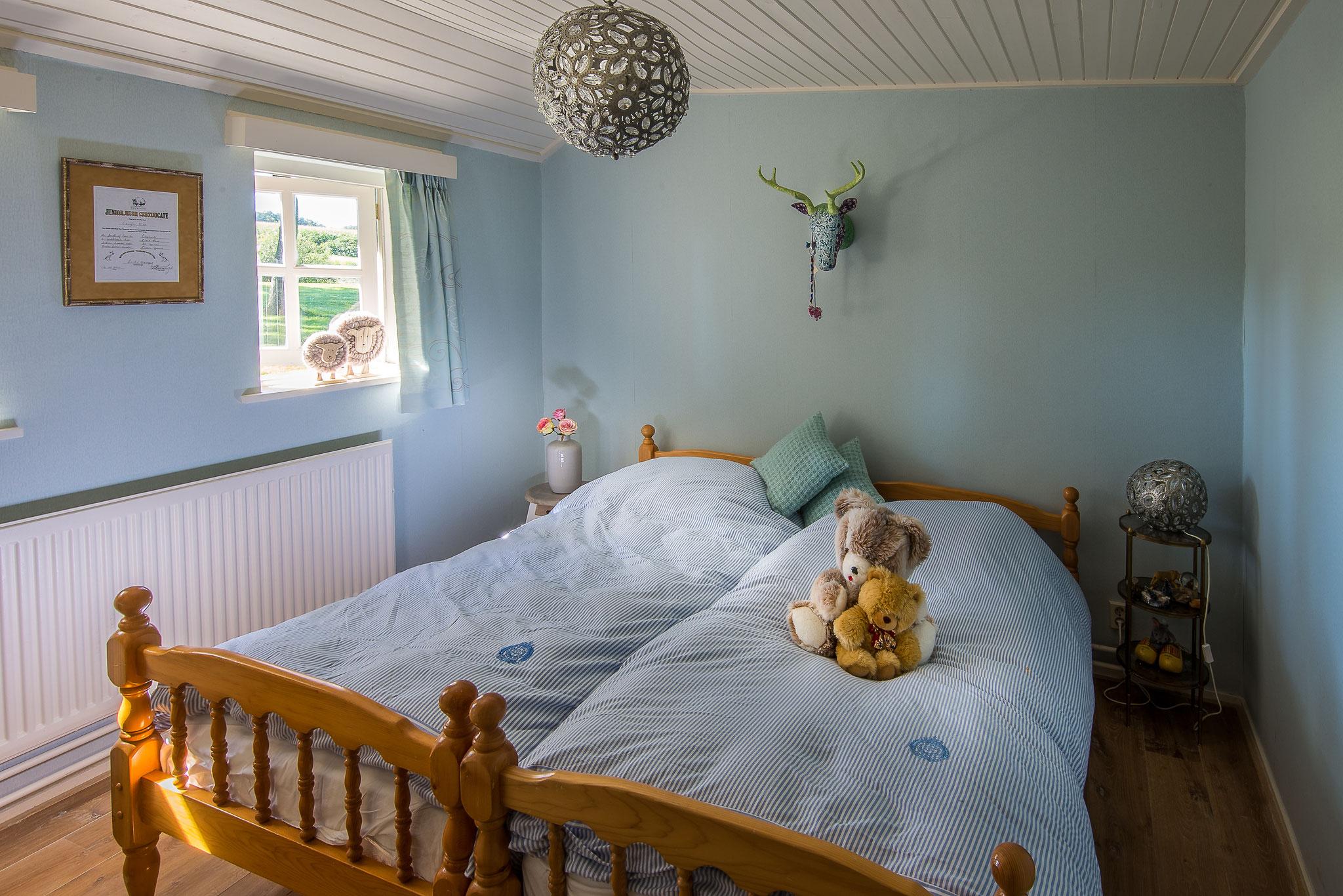 Een van de vijf slaapkamers op Landgoed De Klimberg