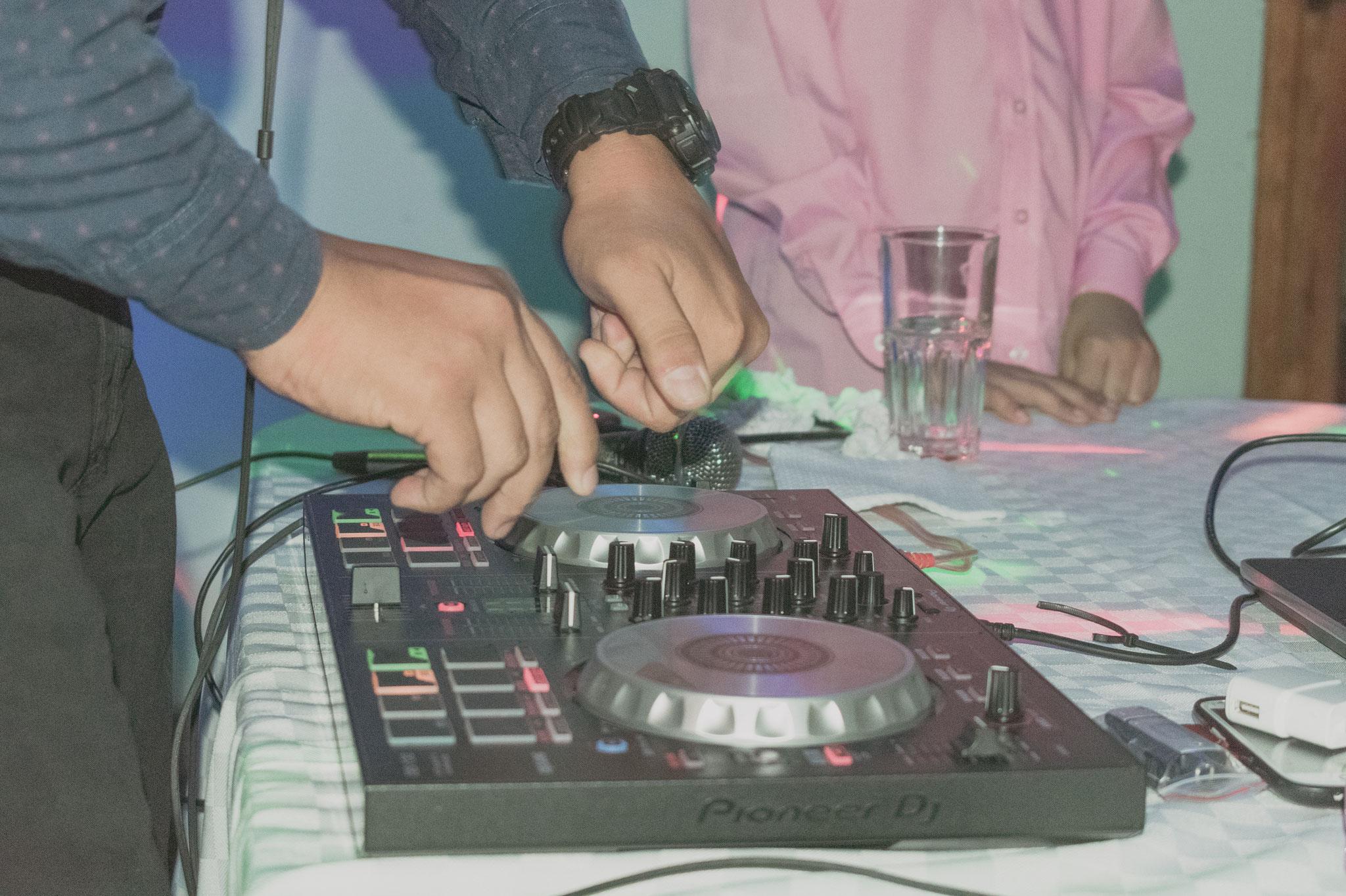 Música y fiesta - Fotografía de quince años