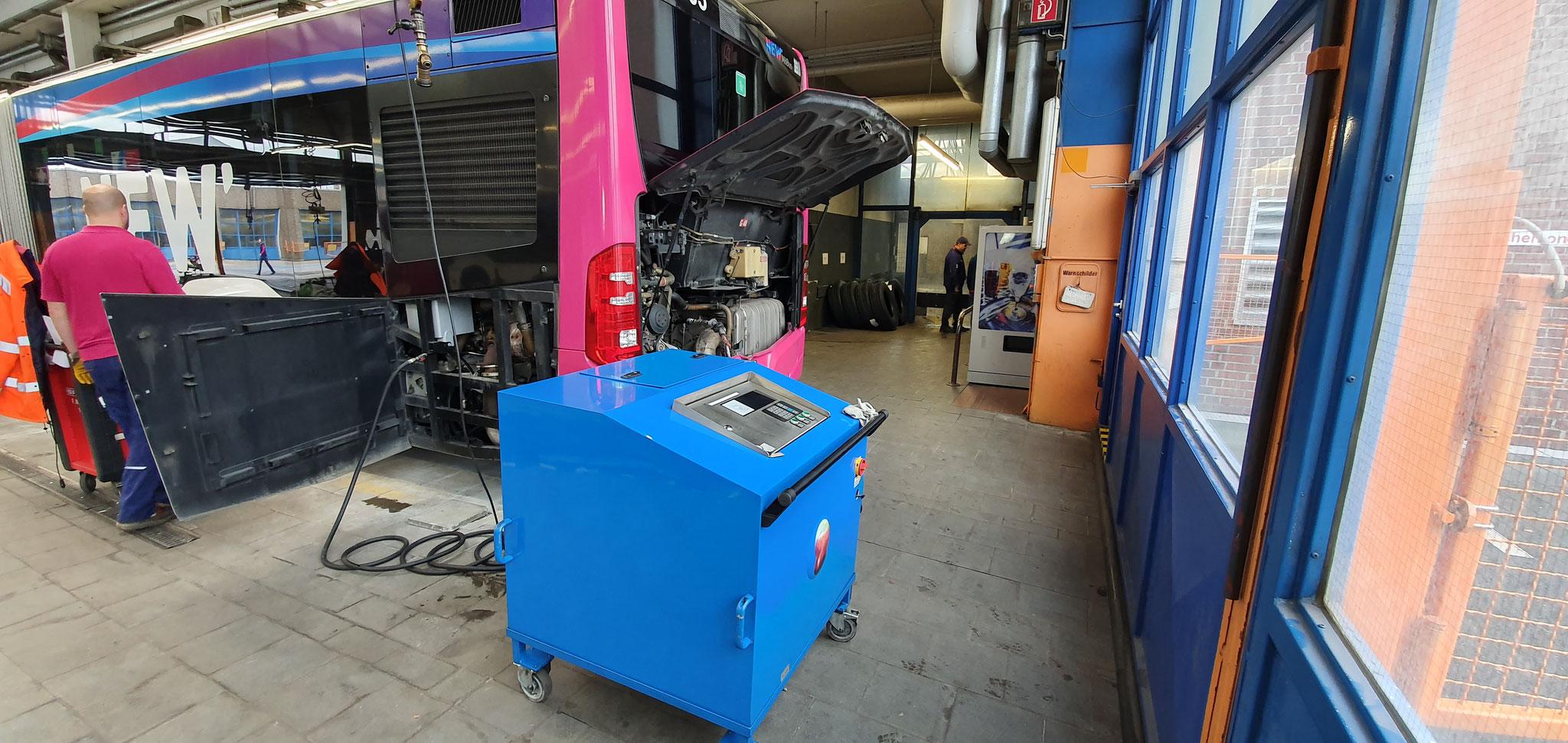 Die Ölreinigungsmaschine im Einsatz