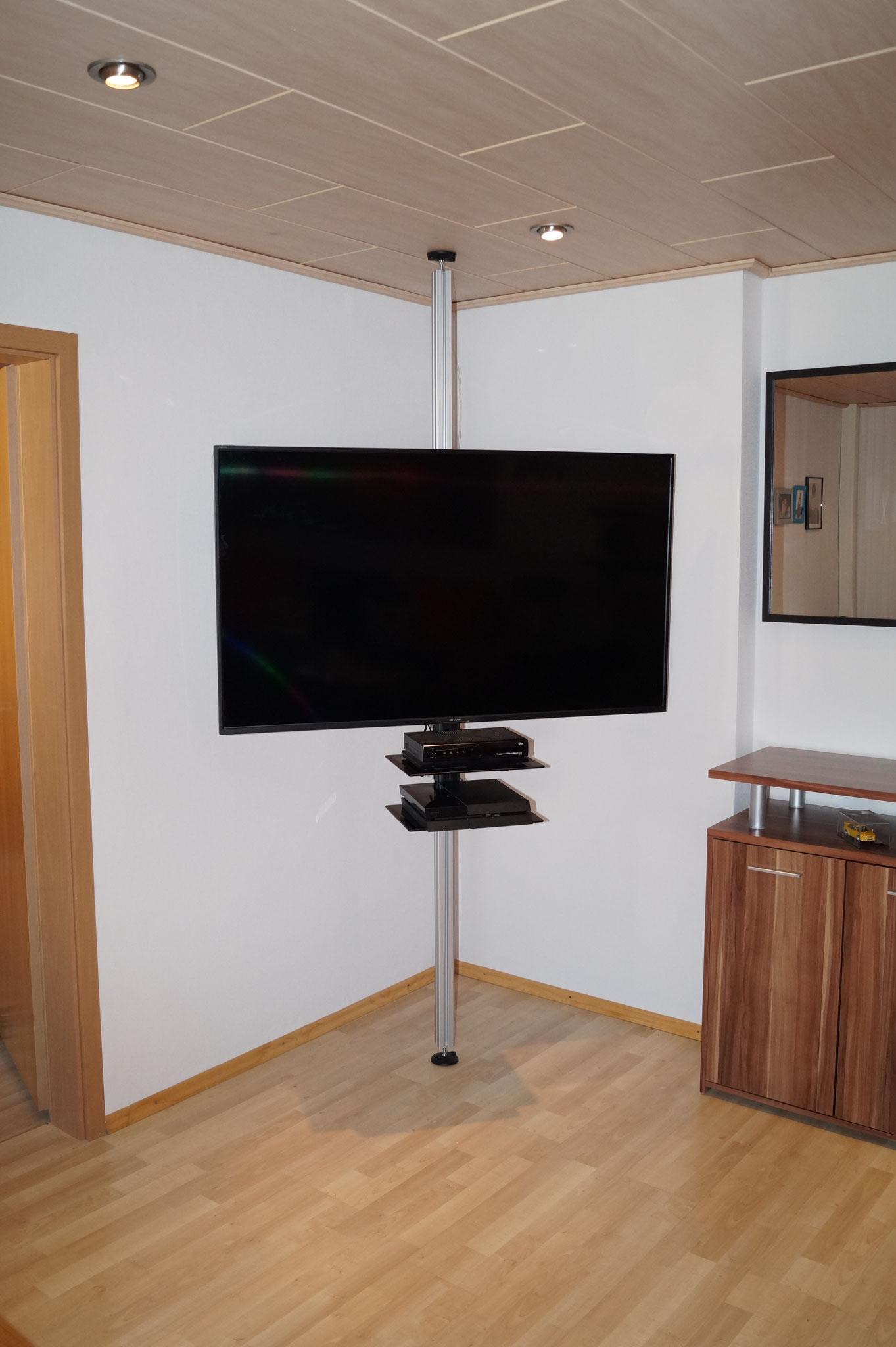 Drehbare TV-Stangen, TV Säulen im Vergleich - uni-prof-24