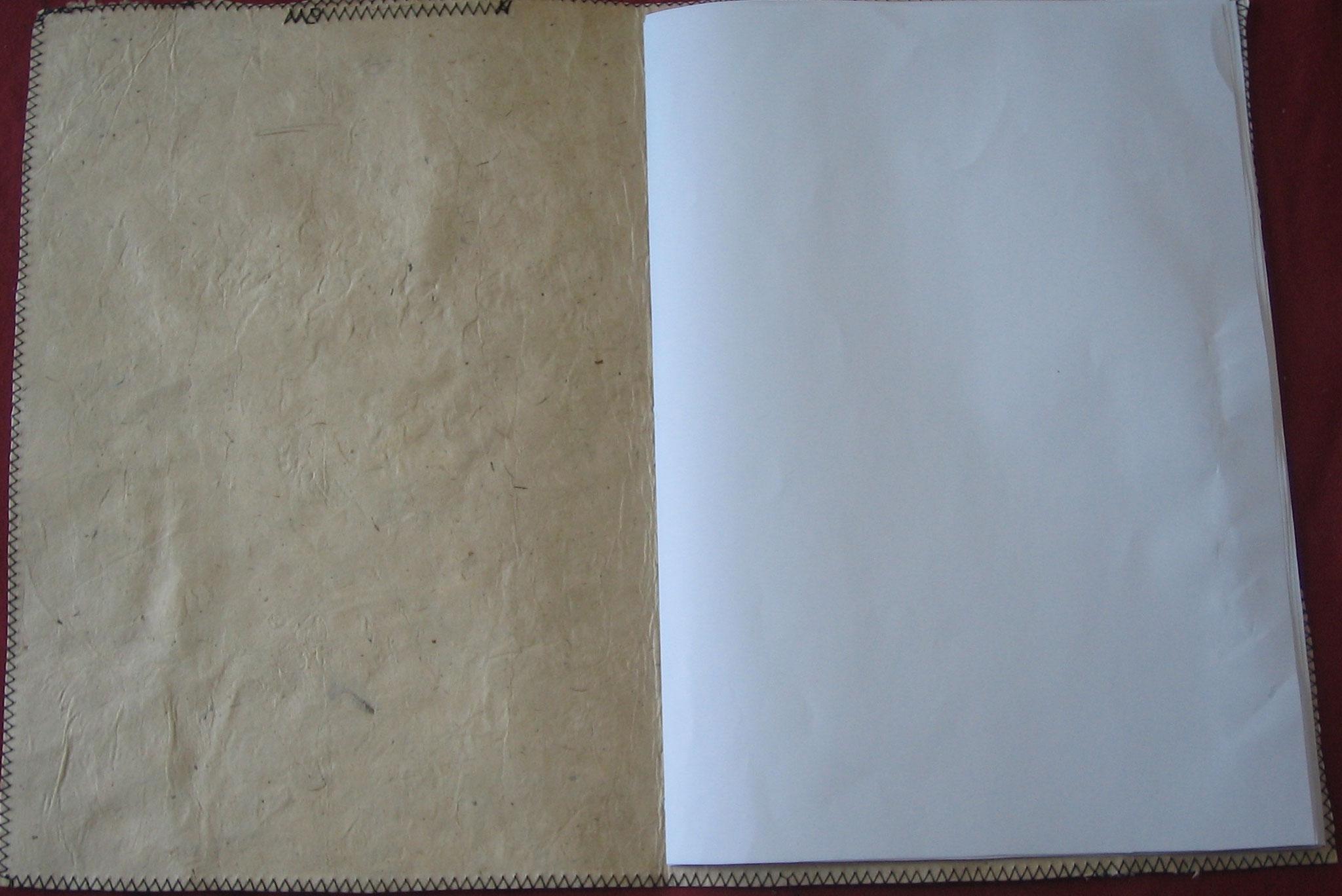 "Innenansicht Softcover-Buch Collage ""Beauty and the ..."", handgeschöpftes Loktapapier"
