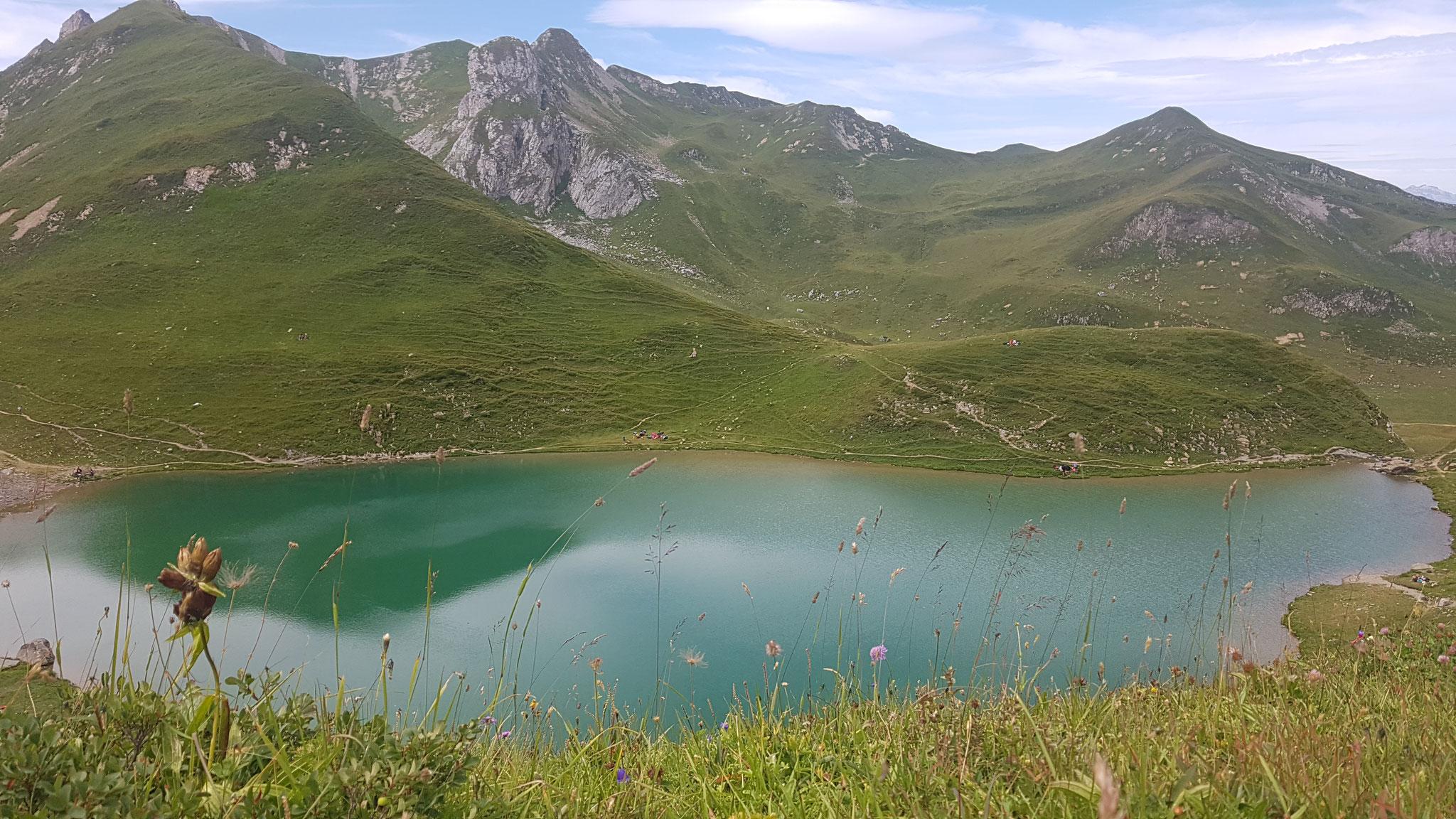 1. Lac d'Amour (Alt. 2248m)