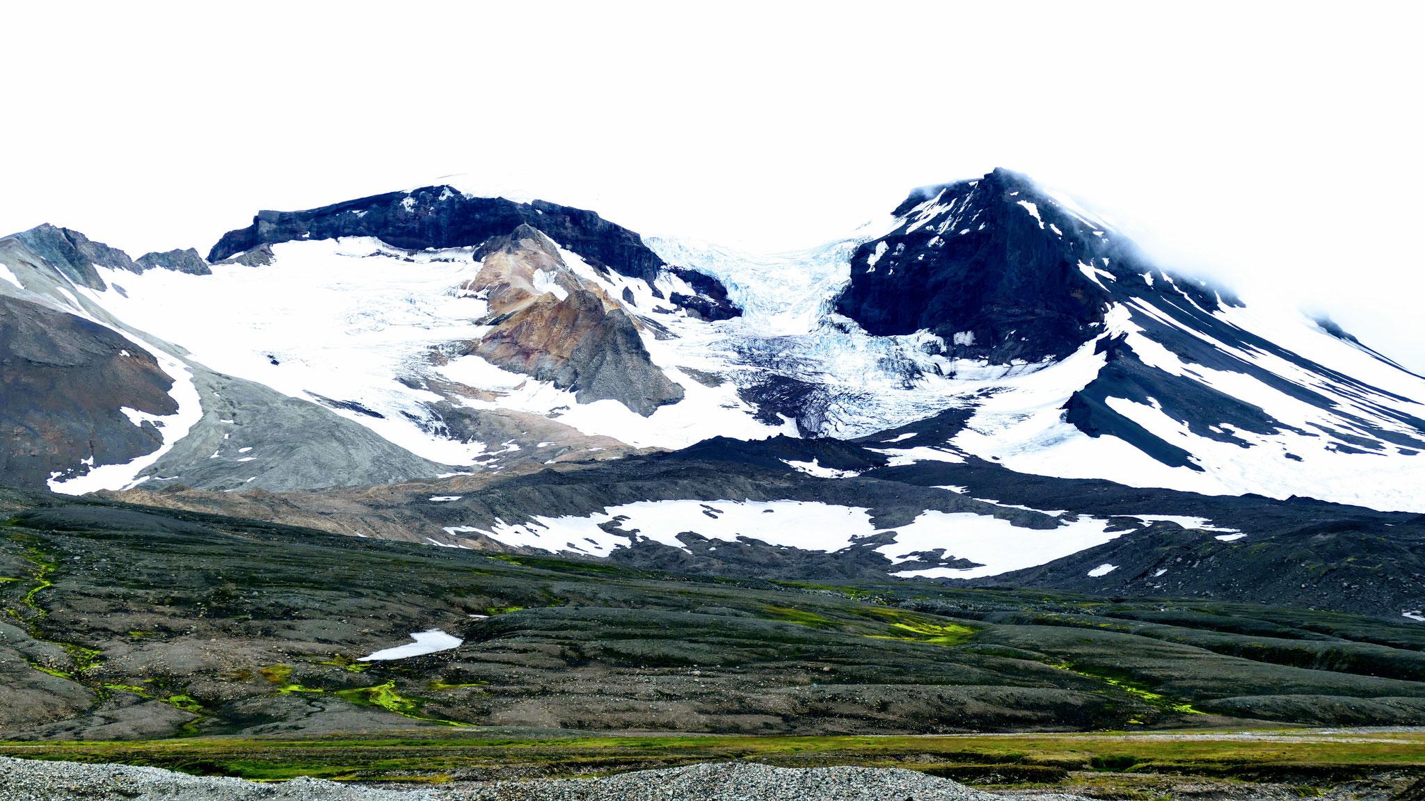 ....der höchste Berg in Island ausserhalb von Gletschern