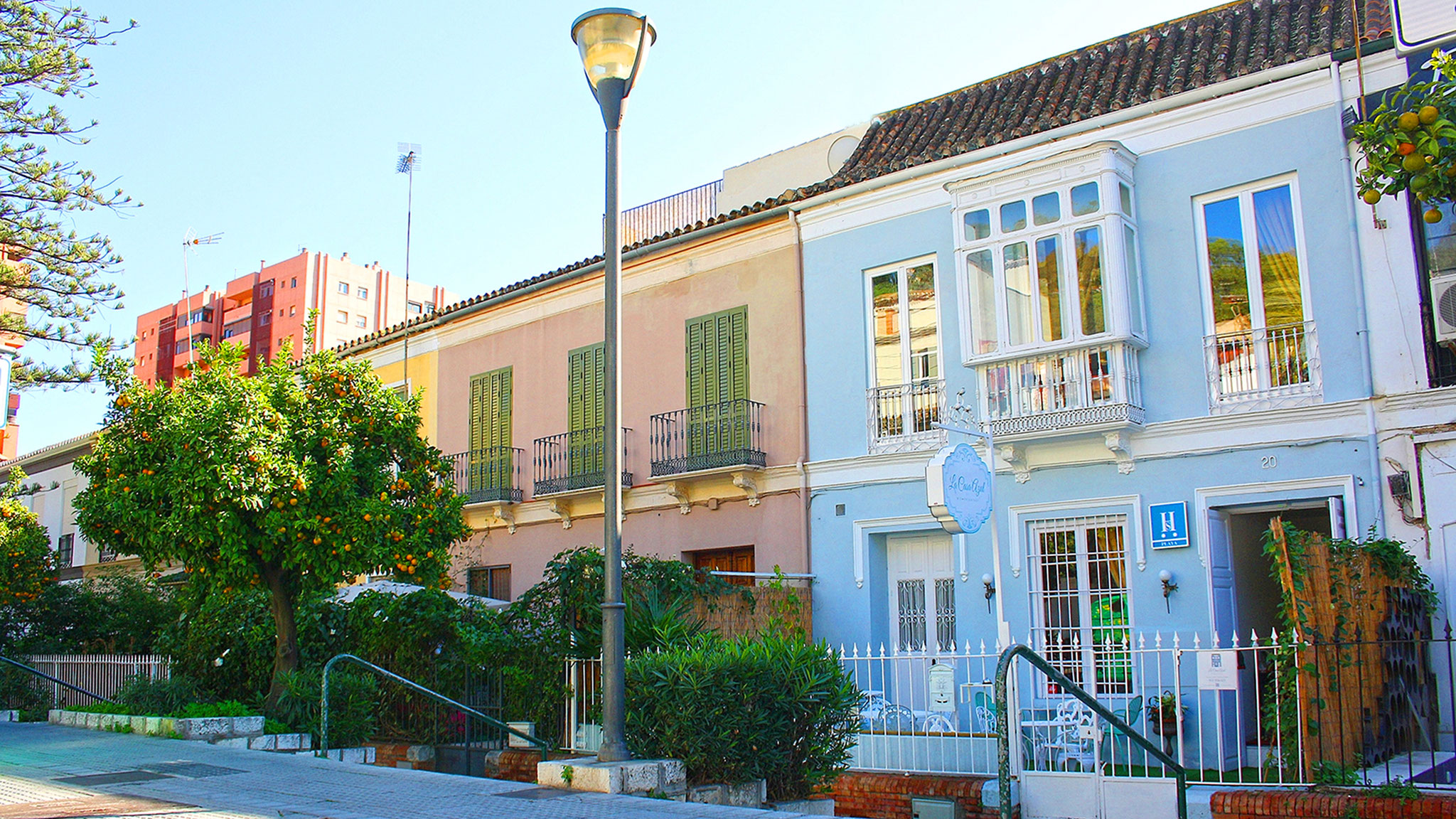 Home inicio la casa azul b b apartments - Casa home malaga ...