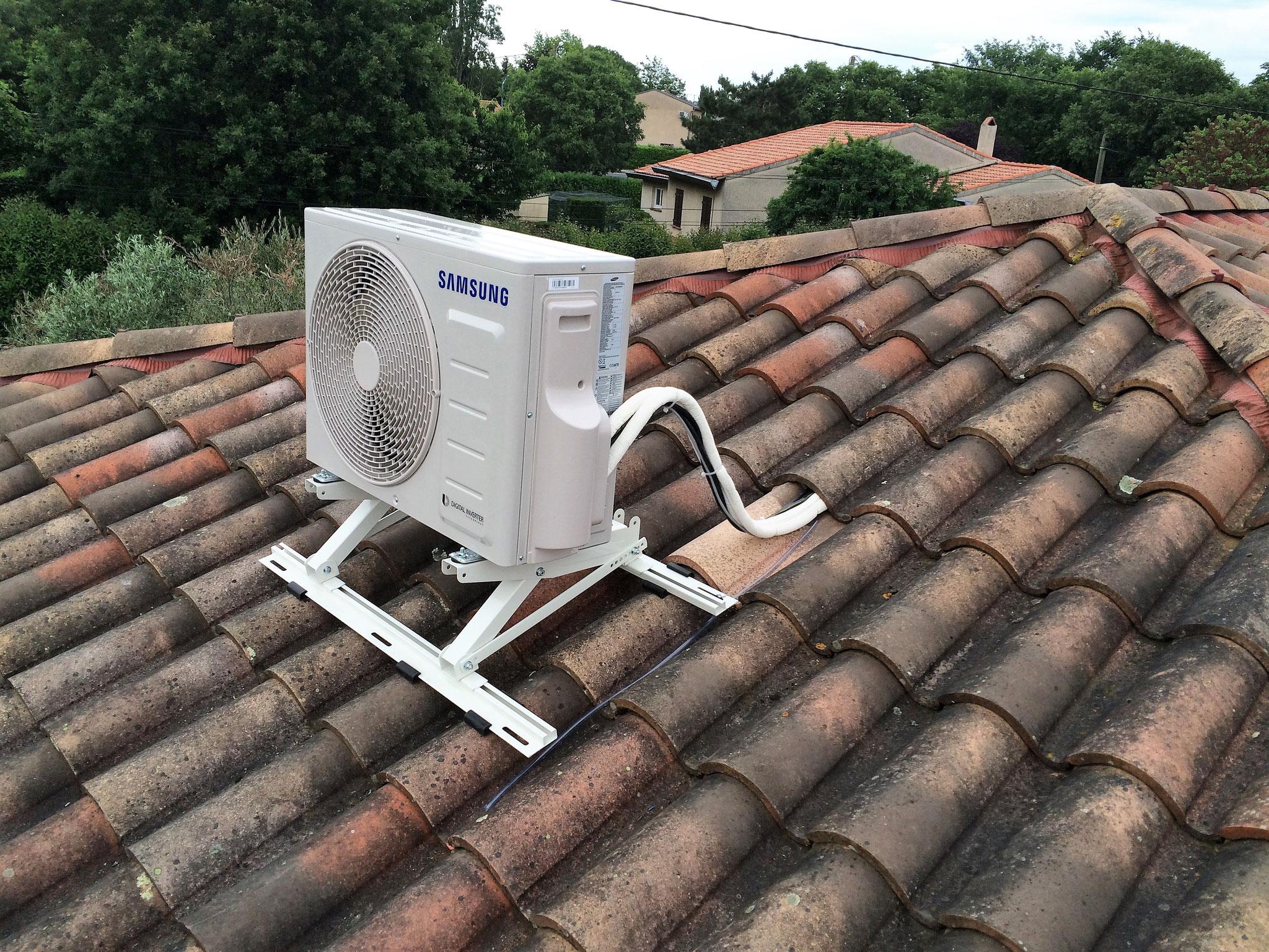Support toiture d'une climatisation réversible