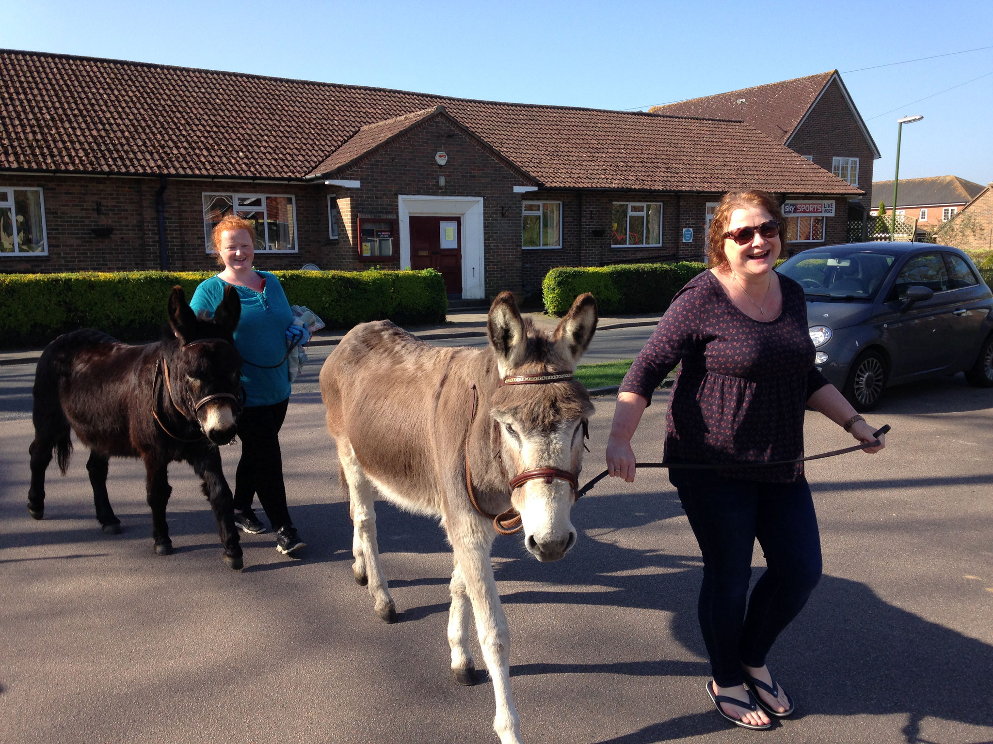 Beamish and Dillon with their helpers